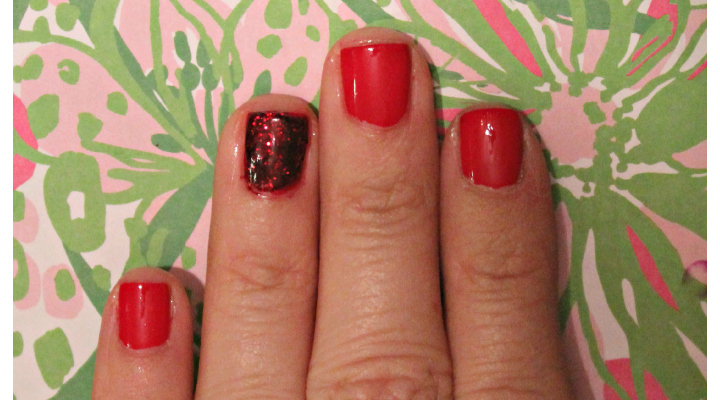 Easy Christmas Manicure