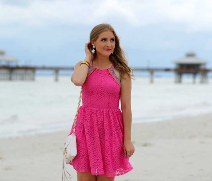 pink-beach-outfit