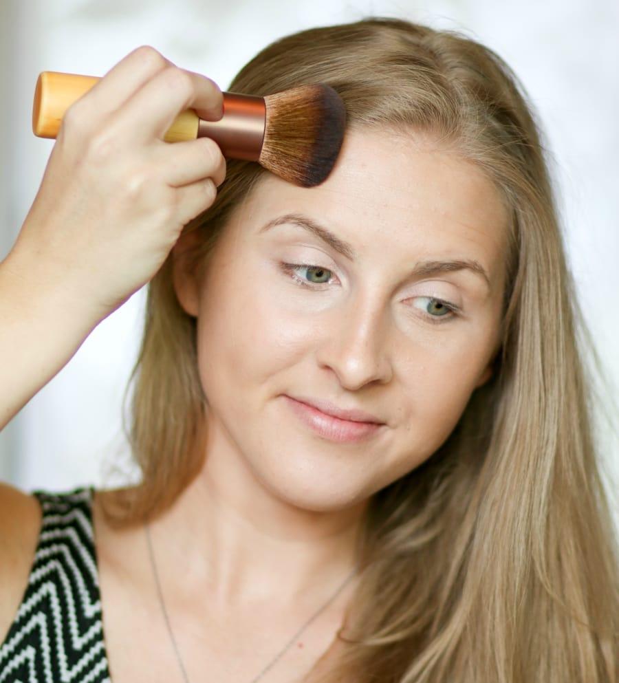 no-makeup-makeup-back-to-school-tutorial-ashley-brooke-4