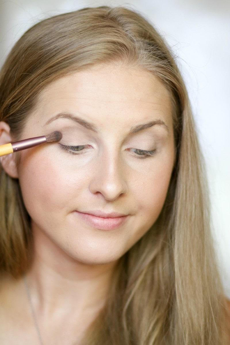 no-makeup-makeup-back-to-school-tutorial-ashley-brooke-7