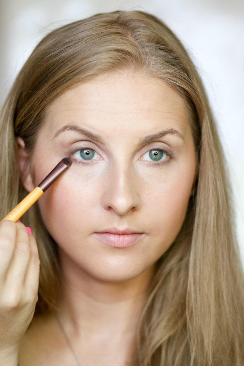 no-makeup-makeup-back-to-school-tutorial-ashley-brooke-8