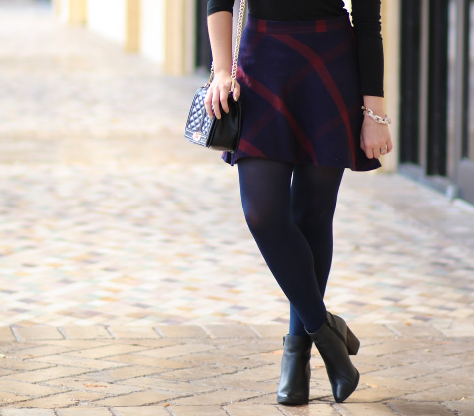Fall-Plaid-Outfit-Navy-Tights-DSW-5951