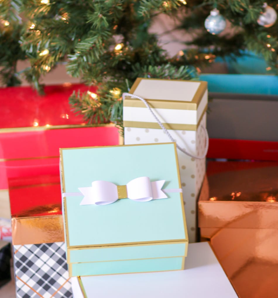 Trendy Christmas Gift Idea for Teens | Ashley Brooke Nicholas