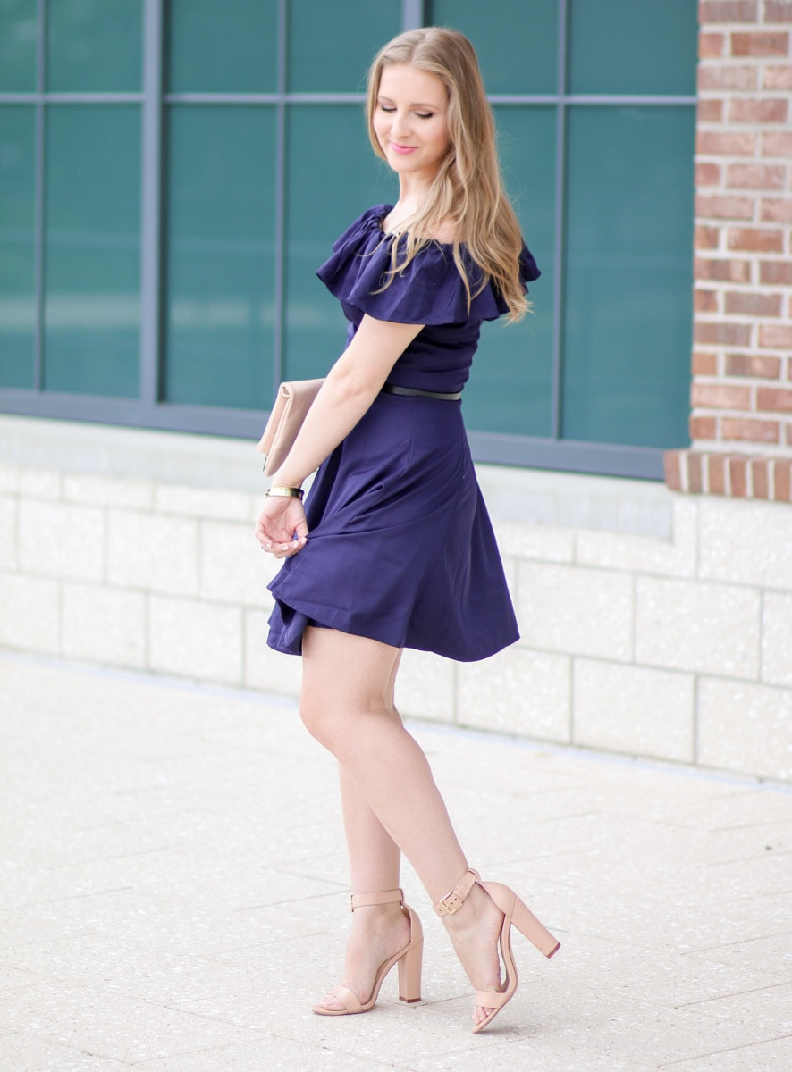 I'm in love with this navy off-the-shoulder dress!