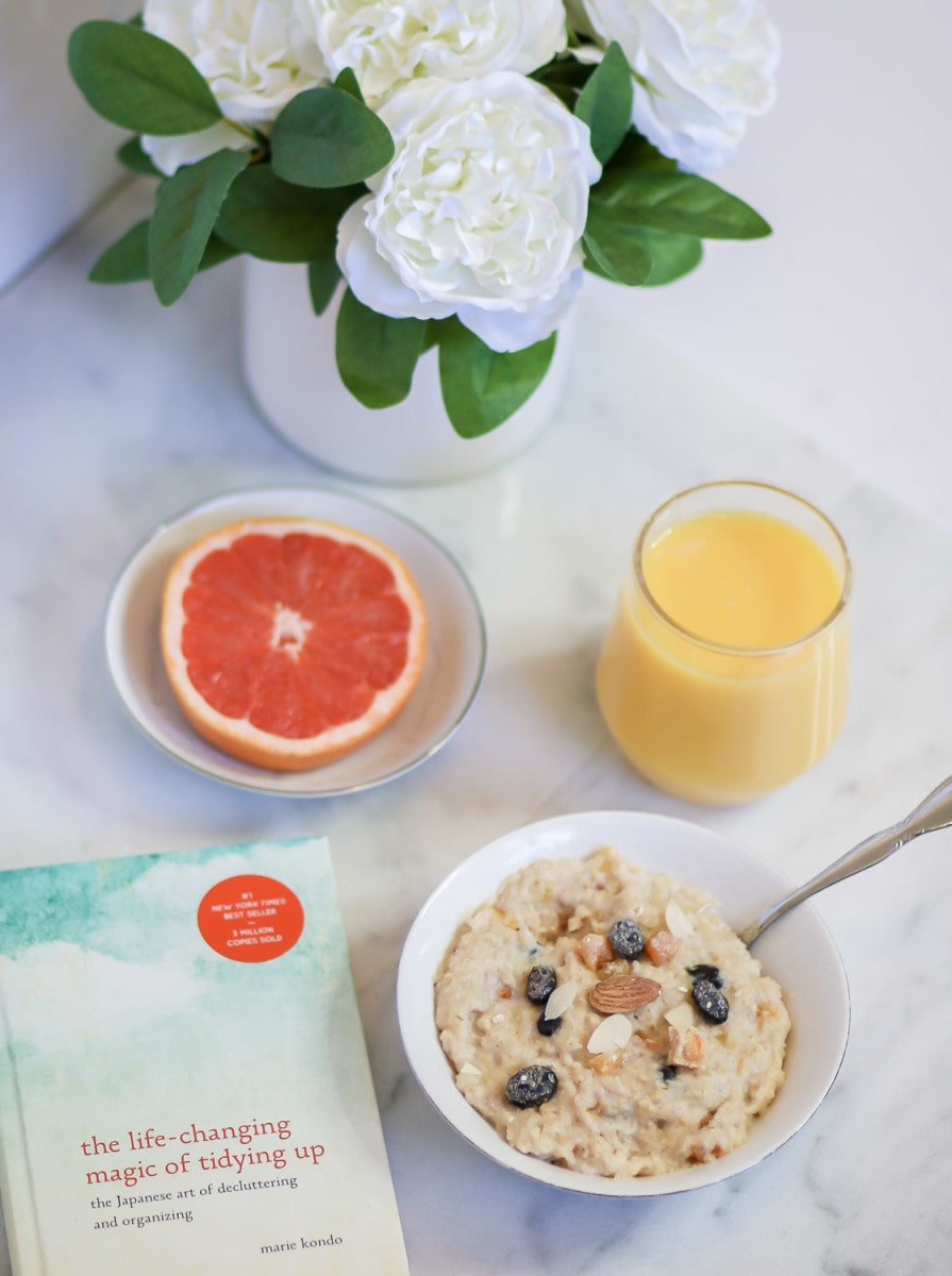 St. Ives ® teamed up with NY-hot spot OatMeals to create the St. Ives Radiance Boost Bowl inspired by the natural moisturizers and ingredients found in its skincare products.