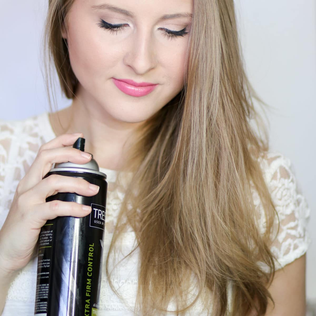 Learn how to fake a salon blowout at home with this easy step-by-step tutorial!
