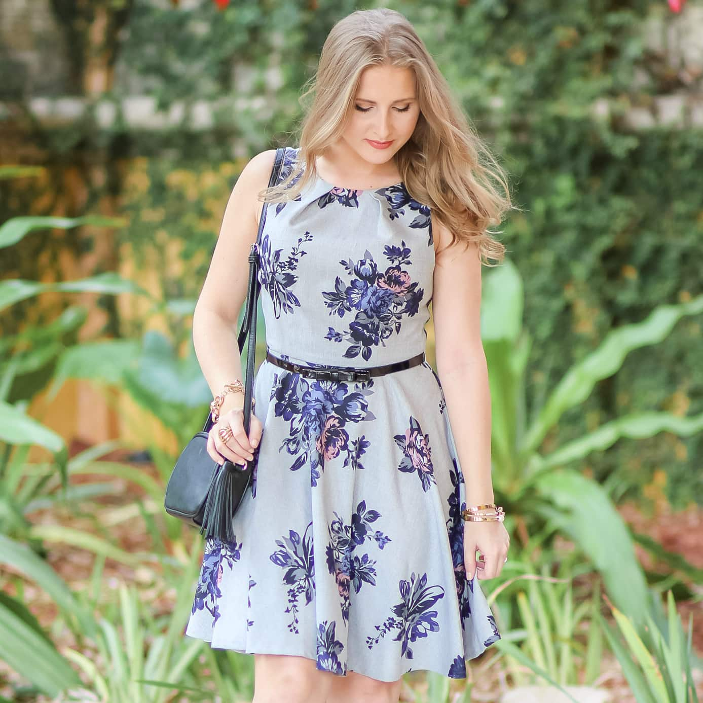 I'm loving this gray and floral fit and flare dress from Kohl's! It's so classy and perfect for Easter!