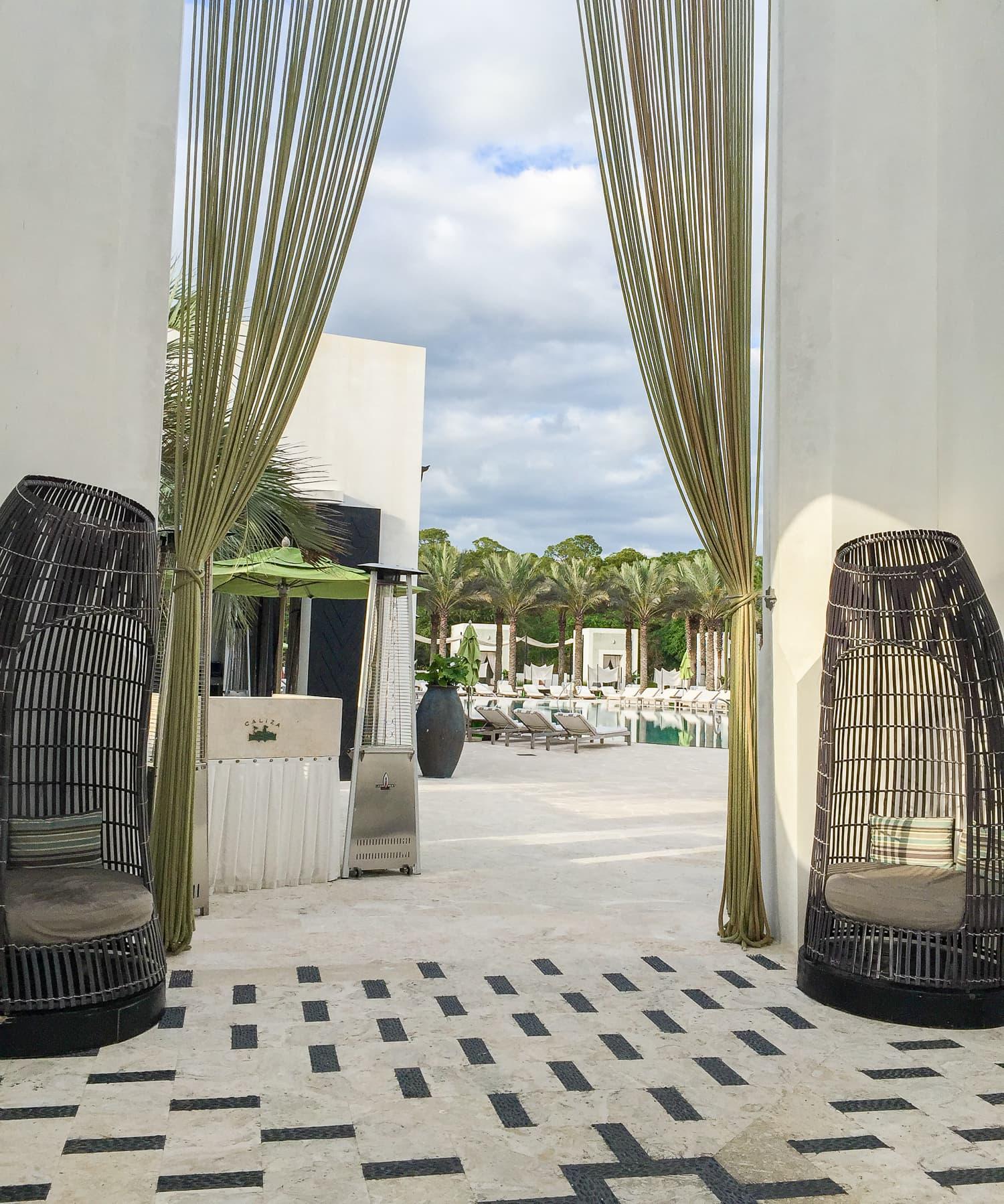 caliza-pool-restaurant-alys-beach-florida--2