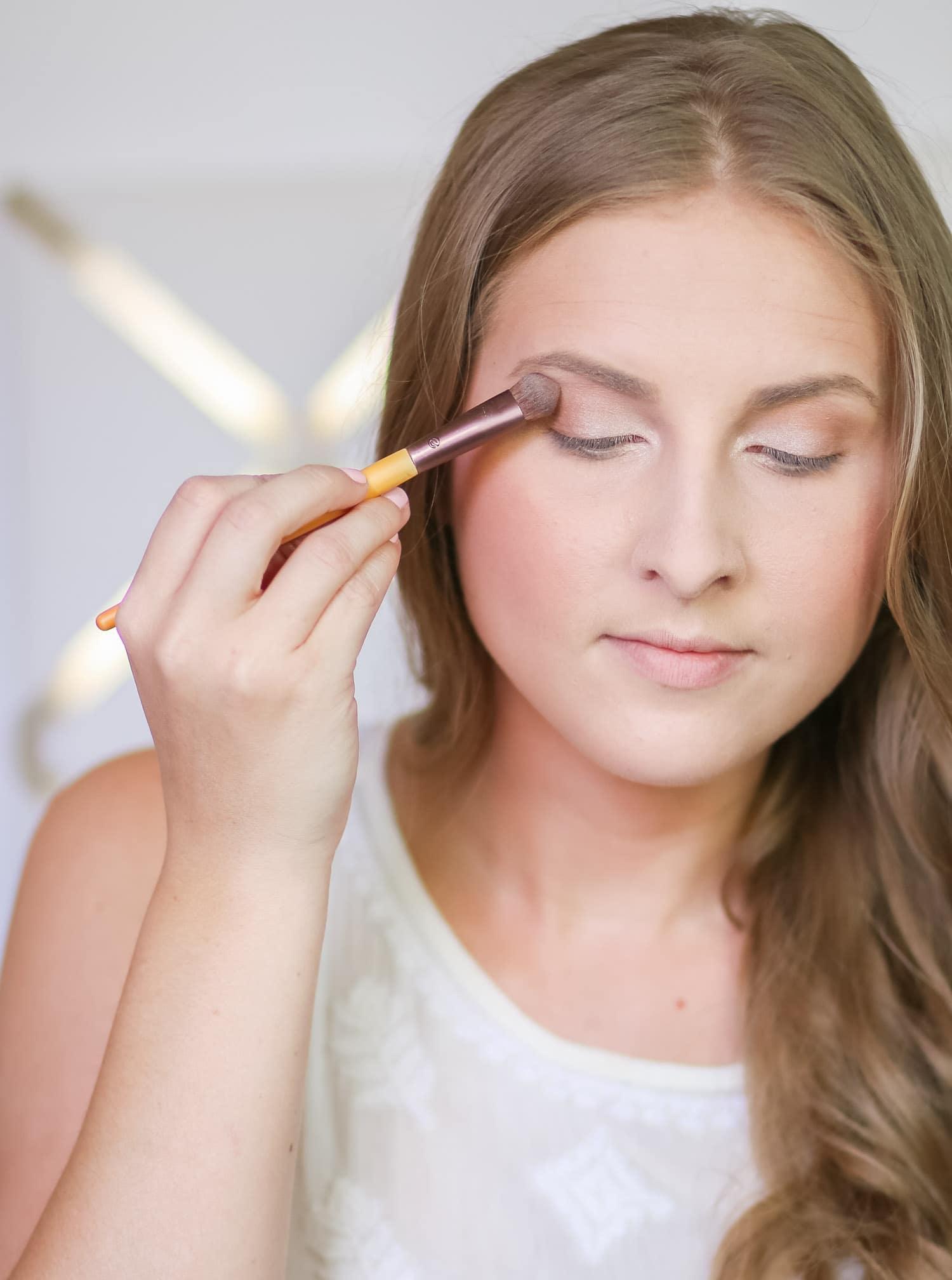 everyday-natural-makeup-tutorial-ashley-brooke-nicholas-1-2178