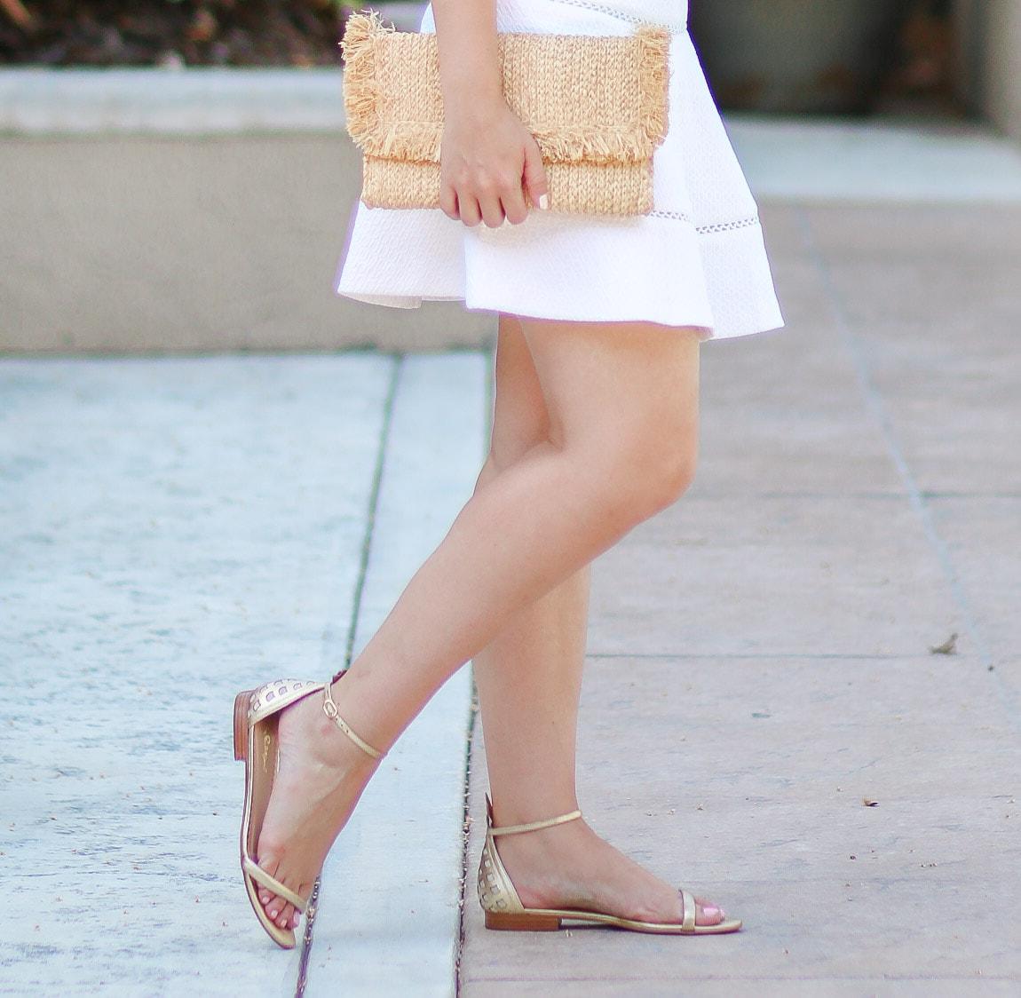 lilly-pulitzer-arya-gold-pineapple-sandals-quay-my-girl-sunglasses-banana-republic-white-skirt-ashley-brooke-3111-2