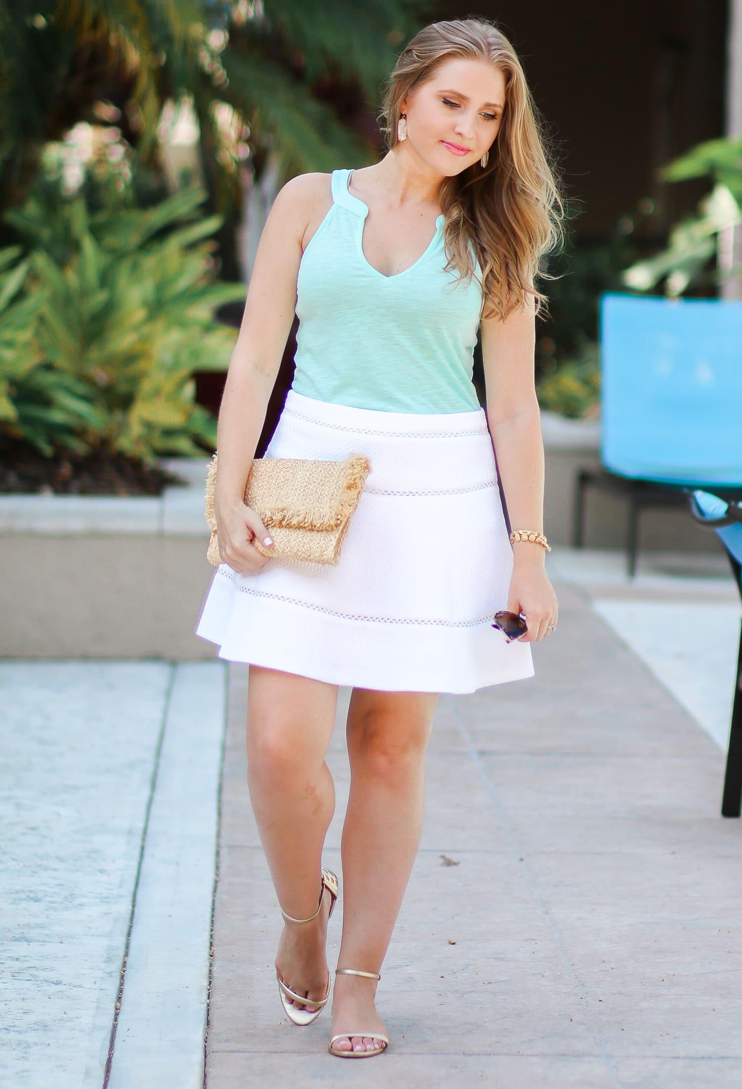 lilly-pulitzer-arya-gold-pineapple-sandals-quay-my-girl-sunglasses-banana-republic-white-skirt-ashley-brooke-3118