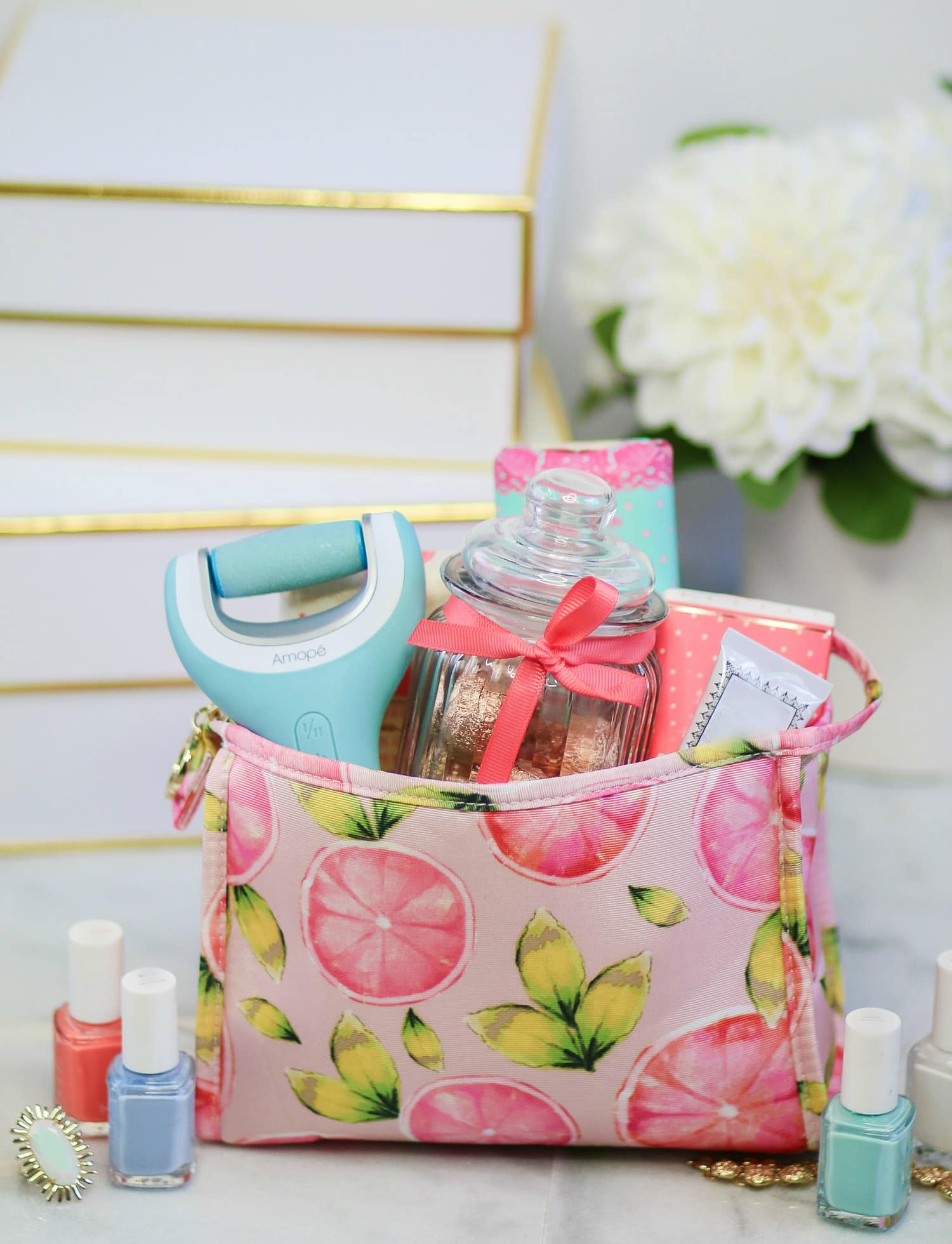 Need a gift idea for the girly girl in your life? I'm sharing two easy DIY gifts featuring the best summer beauty essentials from @target ! that are guaranteed to put a smile on her face! Click through this pin to see both gift ideas from Ashley Brooke Nicholas! #doyouamope sponsored by Amopé
