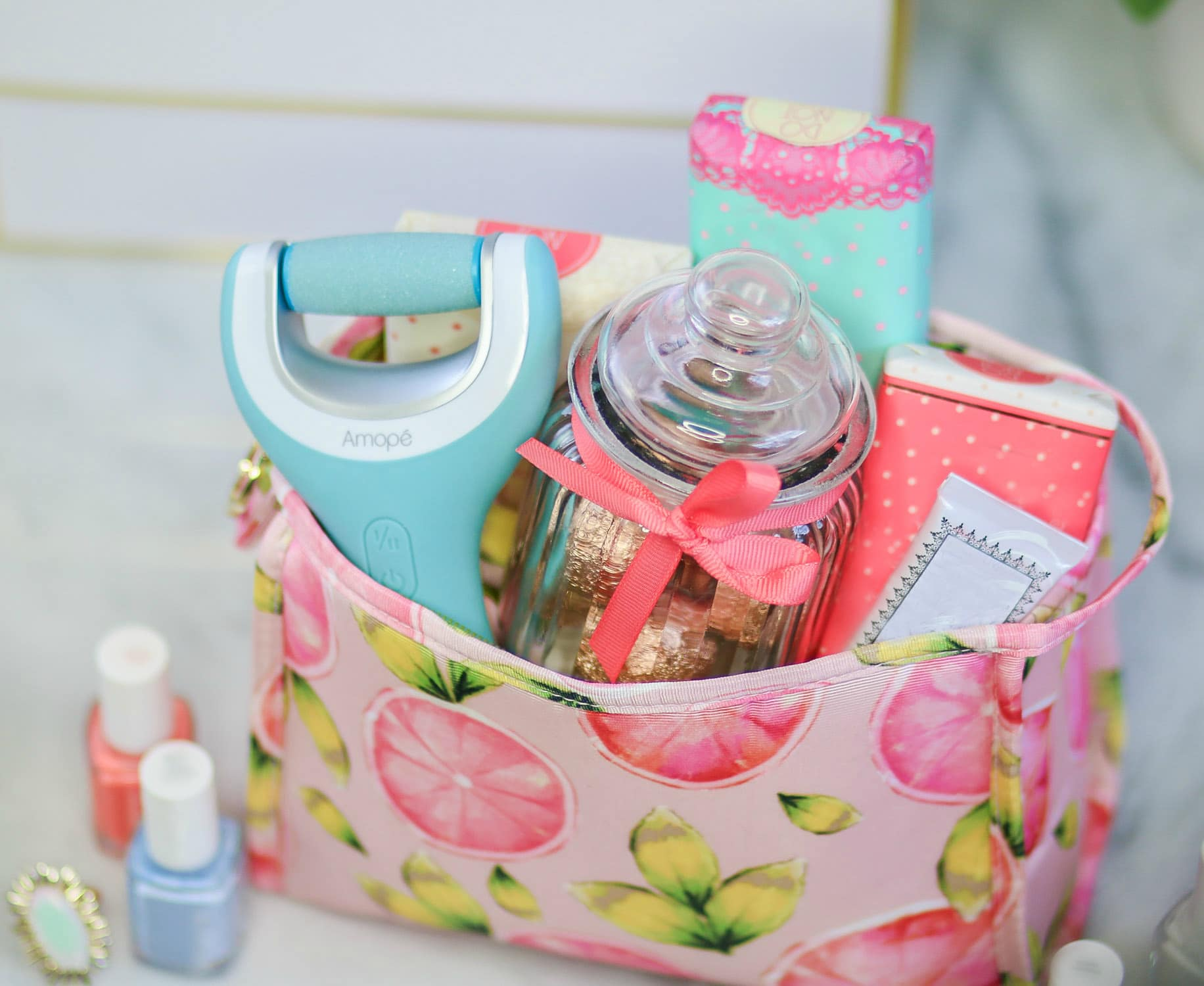 Need a gift idea for the girly girl in your life? Iu0027m sharing & Cute Gift Ideas for Your Friends | Ashley Brooke Nicholas