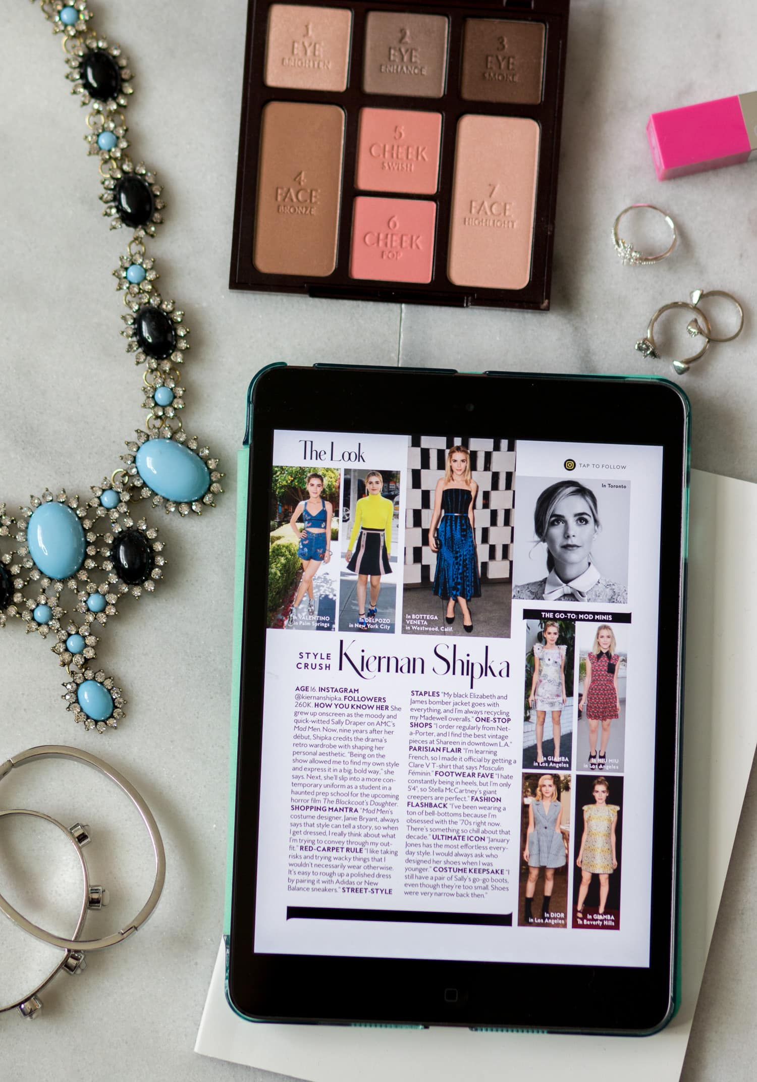 Style blogger Ashley Brooke is sharing how to get your favorite magazine subscriptions for less with the Texture app + sharing an exclusive discount code!
