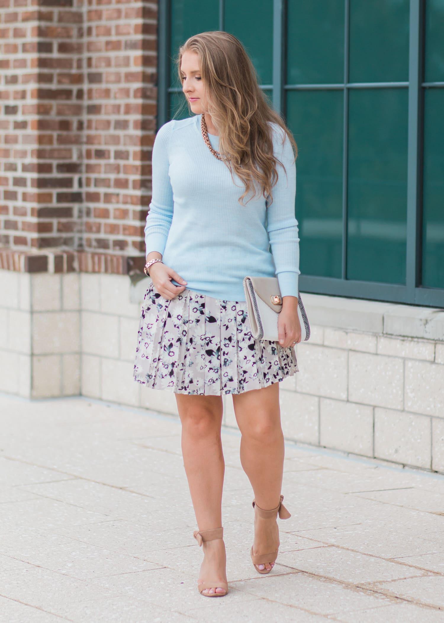 banana-republic-floral-pleated-skirt-ribbed-light-blue-sweater-blogger-ashley-brooke-nicholas-4904