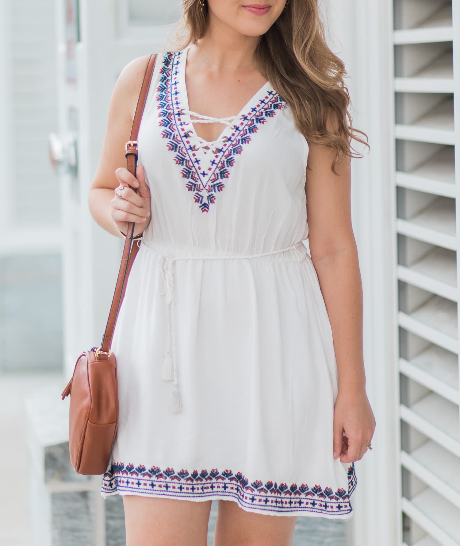 Forever 21 embroidered lace-up dress, Old Navy cognac tassel crossbody bag, and Stella & Dot Addison cuff | Ashley Brooke Nicholas