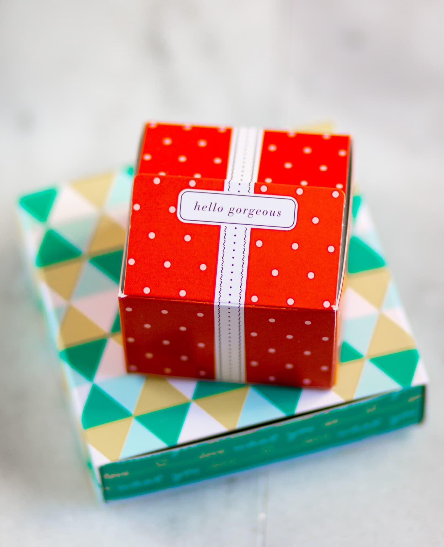 Stella & Dot packaging - hello gorgeous
