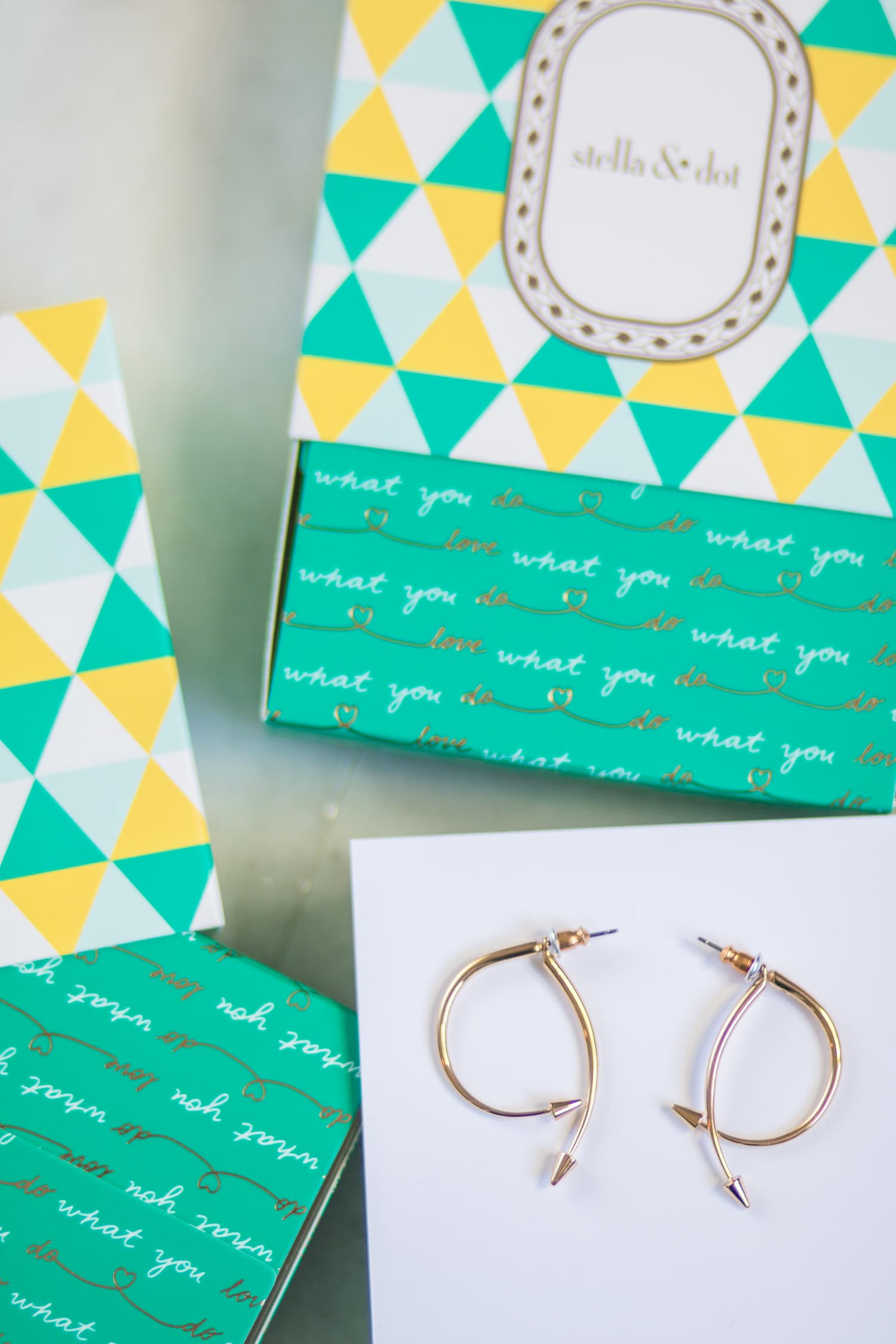 A review of the Stella & Dot fall collection - including the gold Winding Arrow Earrings - by style blogger Ashley Brooke Nicholas