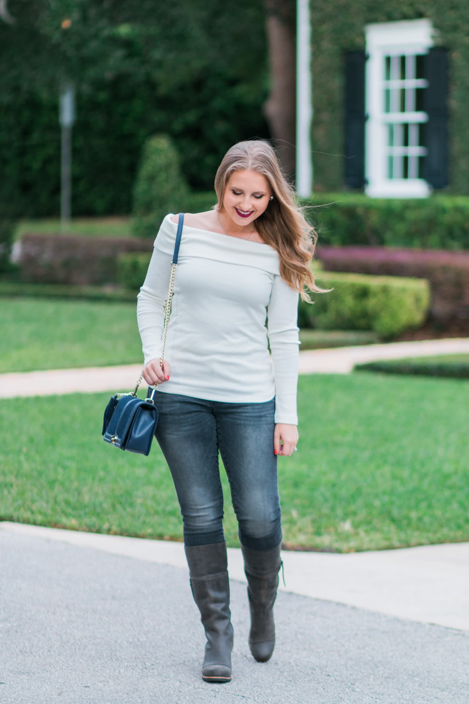 Comfortable Fall Outfit Idea Sorel Boots