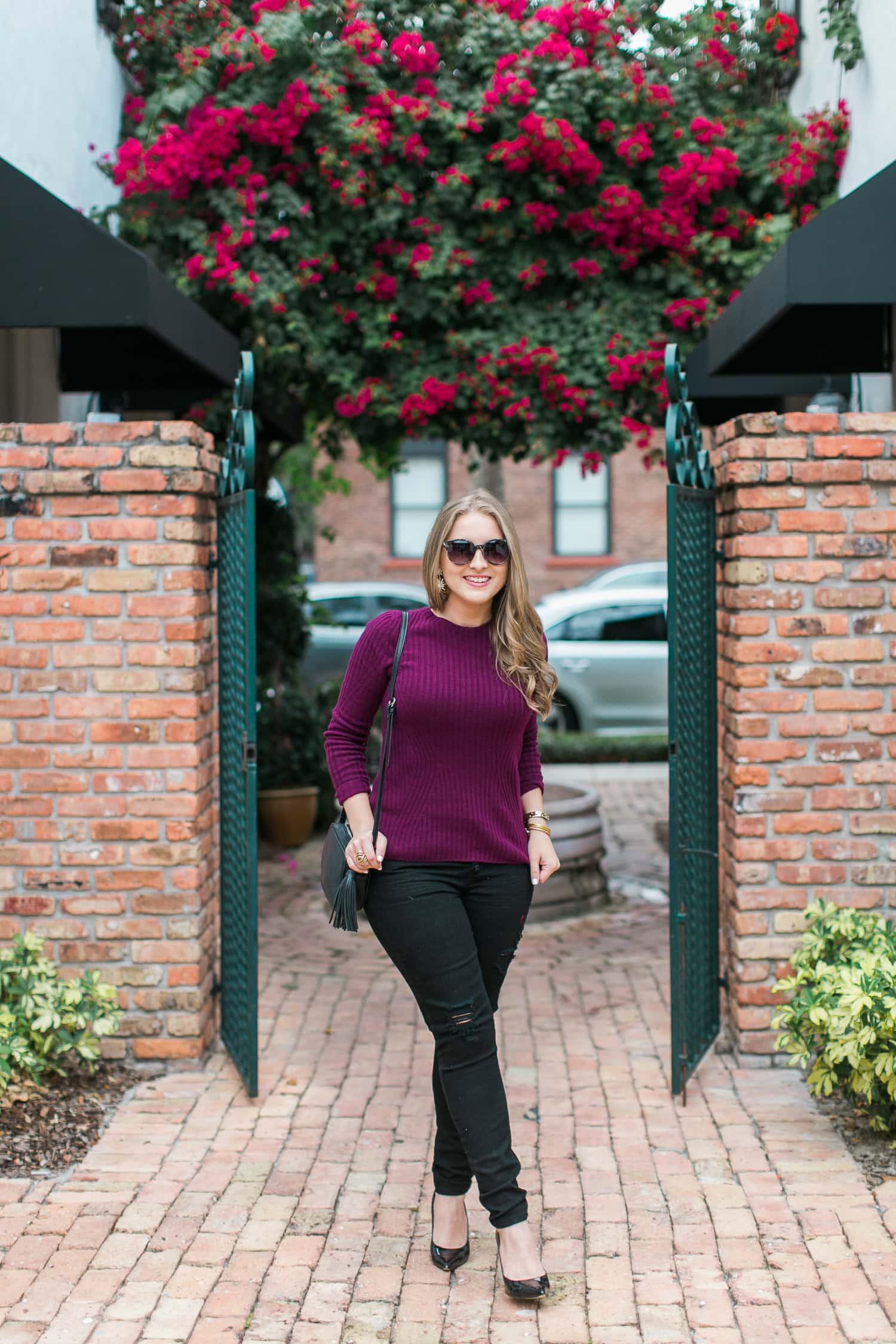black-ripped-jeans-retro-round-sunglasses-burgundy-cashmere-sweater-black-pointy-toe-pumps-tassel-handbag-005
