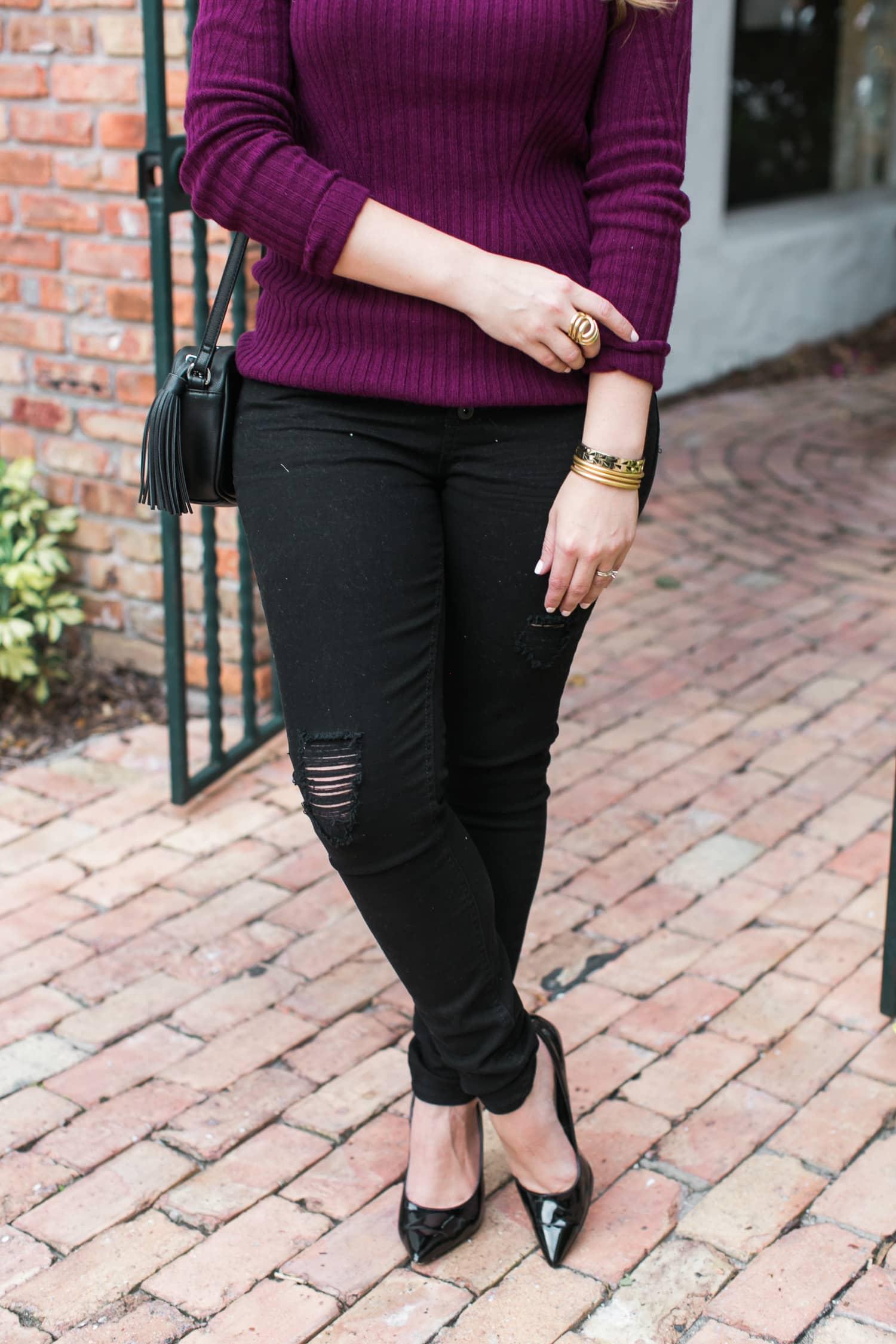 black-ripped-jeans-retro-round-sunglasses-burgundy-cashmere-sweater-black-pointy-toe-pumps-tassel-handbag-030