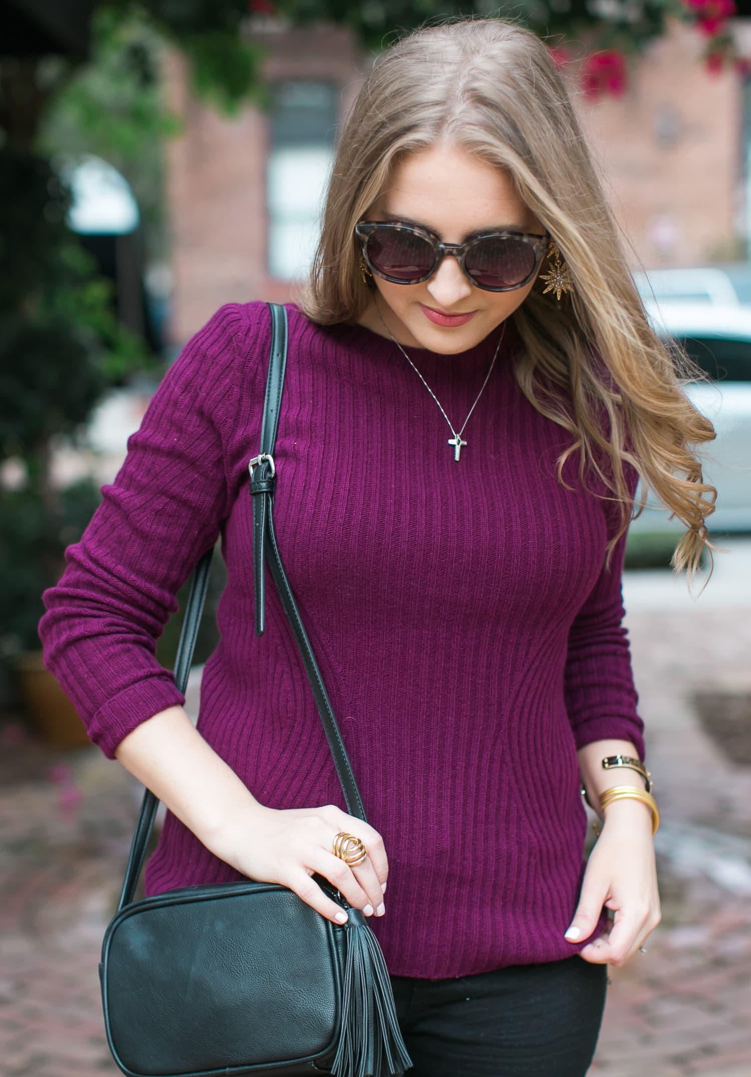 black-ripped-jeans-retro-round-sunglasses-burgundy-cashmere-sweater-black-pointy-toe-pumps-tassel-handbag-035
