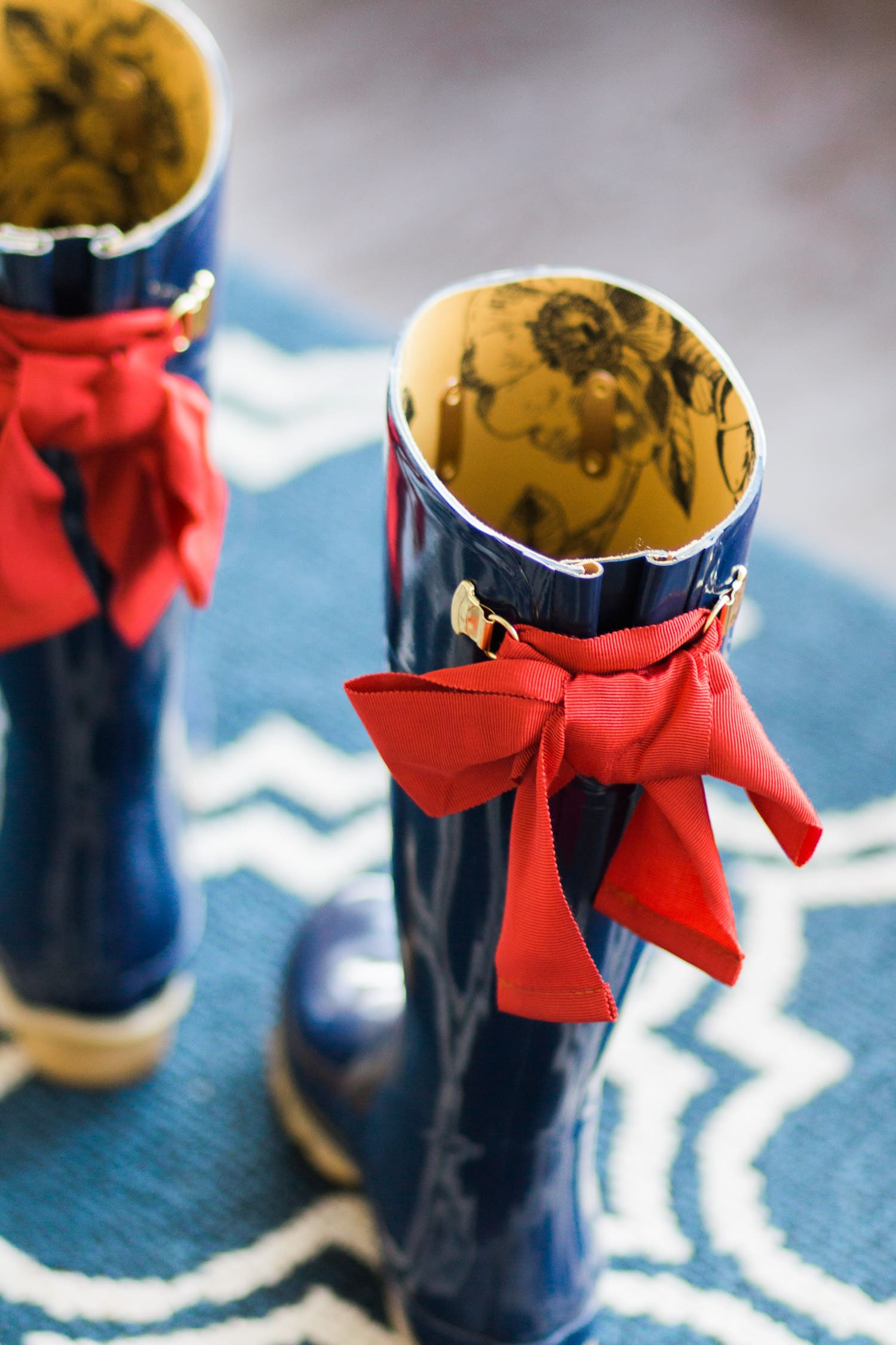 joules-evedon-rain-boots-navy-red-bow-6614