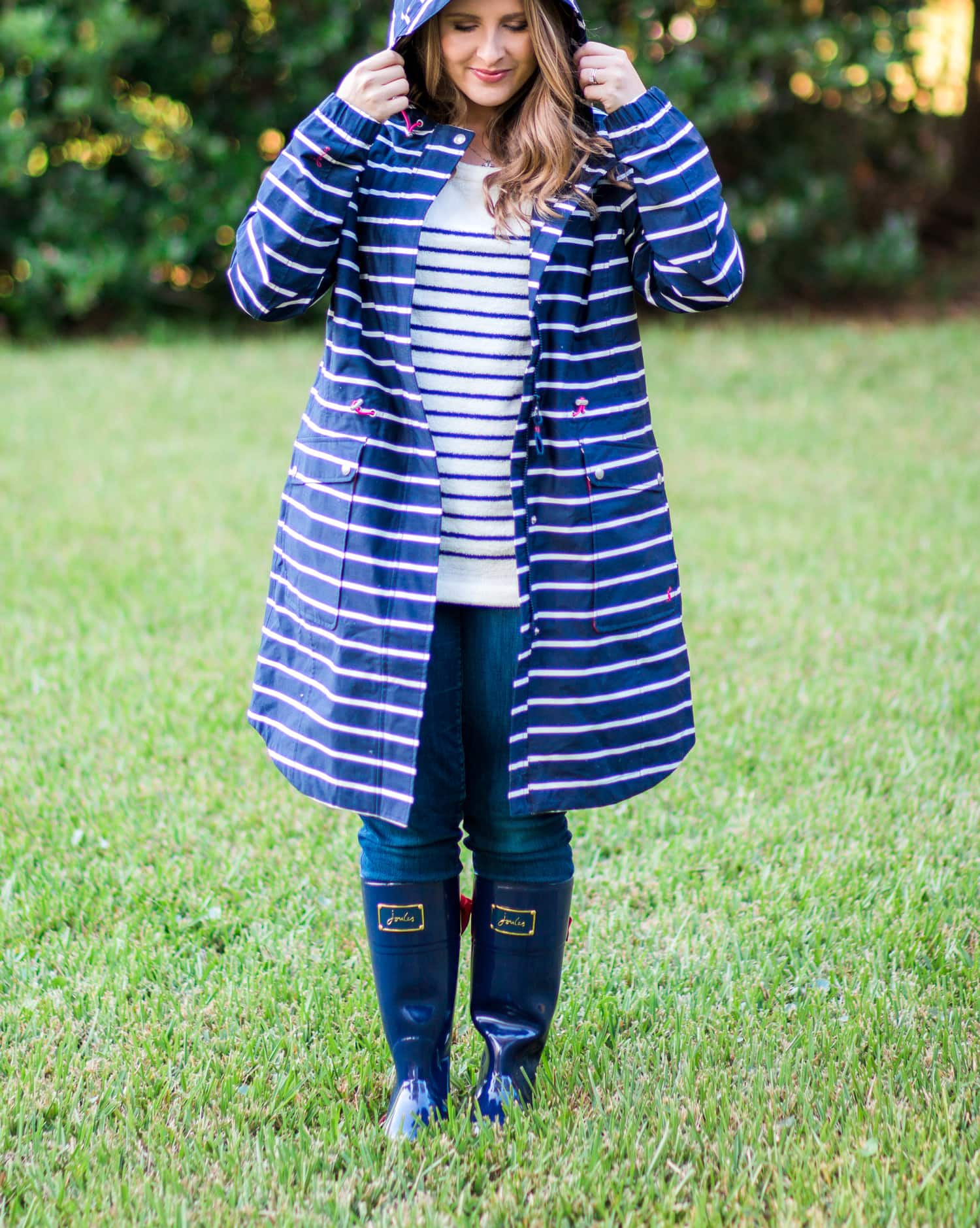 joules-rainboots-bow-striped-raincoat-striped-cozy-sweater-jeans-6539