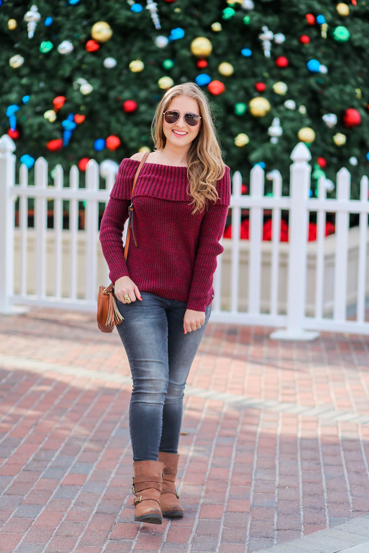 casual-winter-outfit-off-the-shoulder-sweater-gray-jeggins-moto-boots-foster-grant-rose-gold-aviator-sunglasses-7675-2