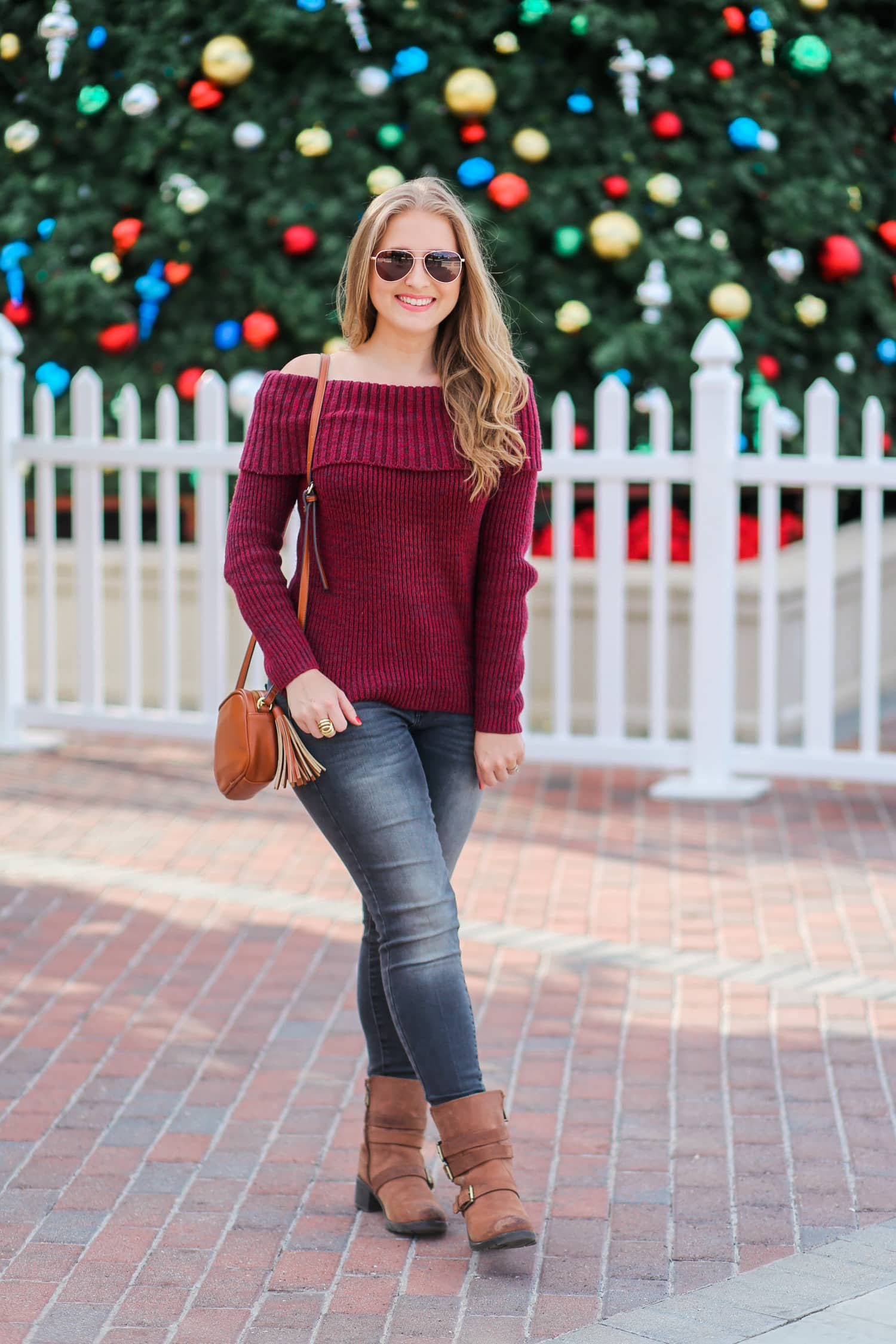 casual-winter-outfit-off-the-shoulder-sweater-gray-jeggins-moto-boots-foster-grant-rose-gold-aviator-sunglasses-7676-2