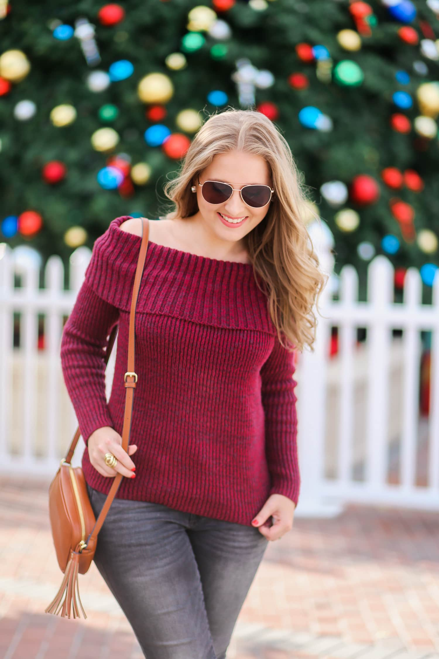 casual-winter-outfit-off-the-shoulder-sweater-gray-jeggins-moto-boots-foster-grant-rose-gold-aviator-sunglasses-7687-2
