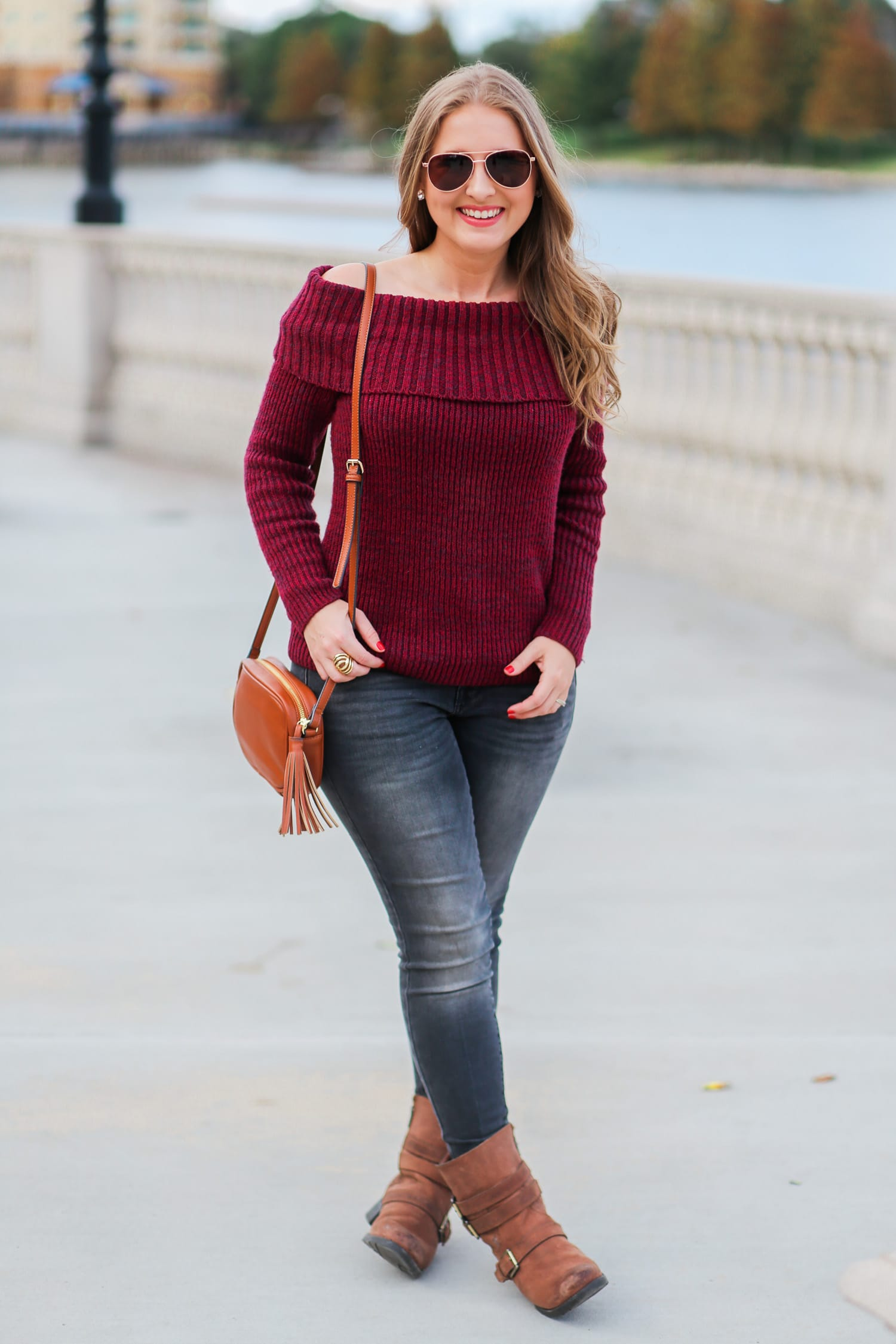 casual-winter-outfit-off-the-shoulder-sweater-gray-jeggins-moto-boots-foster-grant-rose-gold-aviator-sunglasses-7785-3
