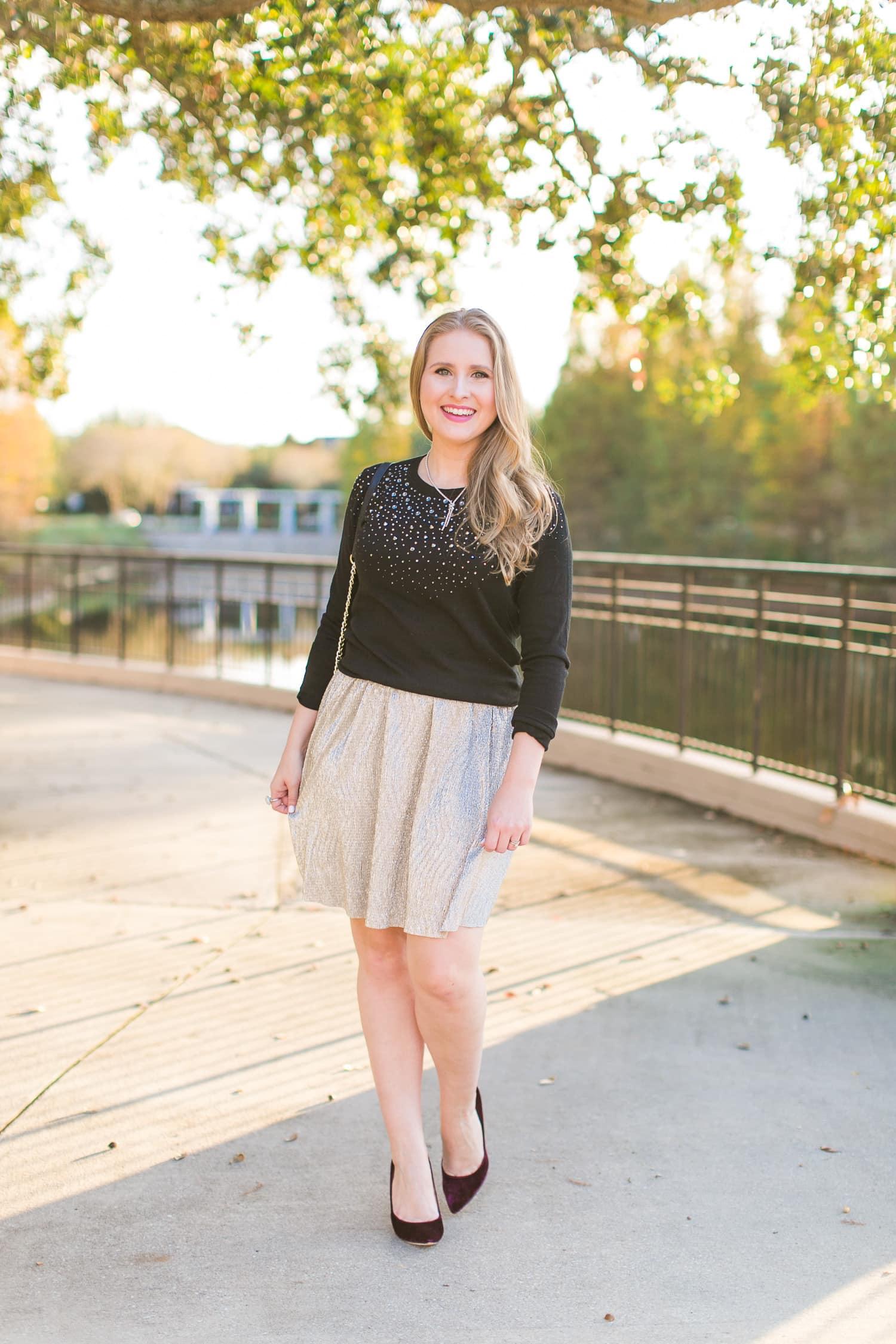 sunset golden hour date outfit ideas beauty blogger posing in park glitter skirt black top