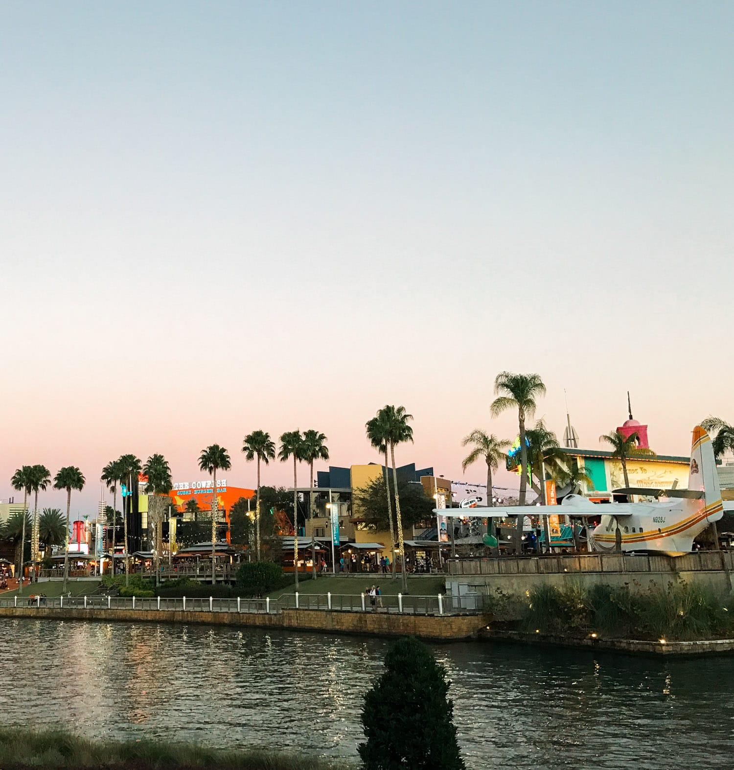 Universal CityWalk Orlando | Planning a trip to Orlando? I've rounded up the top 10 things to do in Orlando, Florida, that are guaranteed to make your trip a success. Whether you're moving to Orlando or just headed in on vacation, you will LOVE this list of fun activities in Orlando by Florida travel blogger Ashley Brooke Nicholas #CORTatHome sponsored by CORT Furniture | affordable travel tips, orlando vacation tips, florida travel, vacation tip