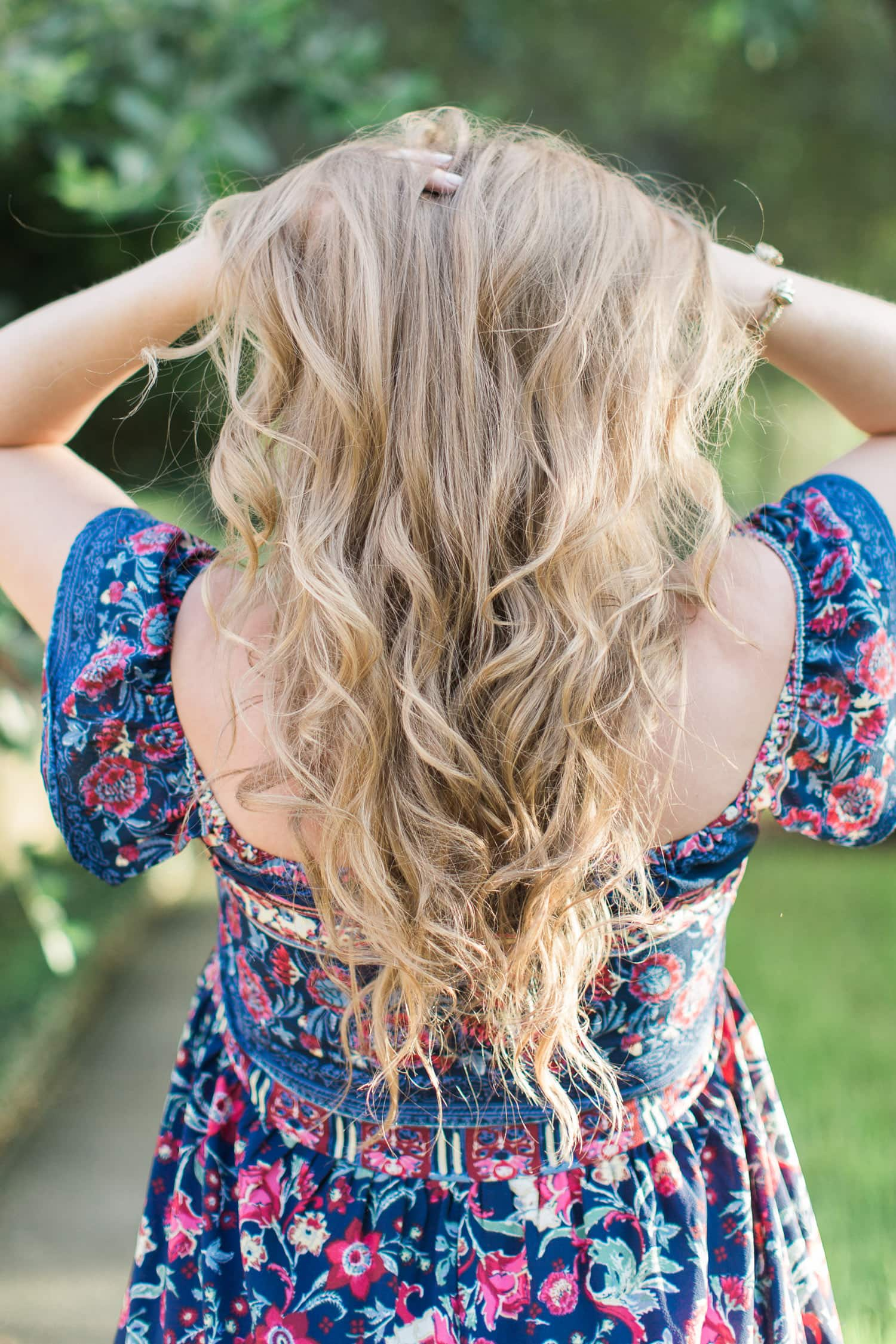 beat the heat with summer essentials, how to use kapow dry shampoo beauty blogger, summer sundress ashley brooke nicholas
