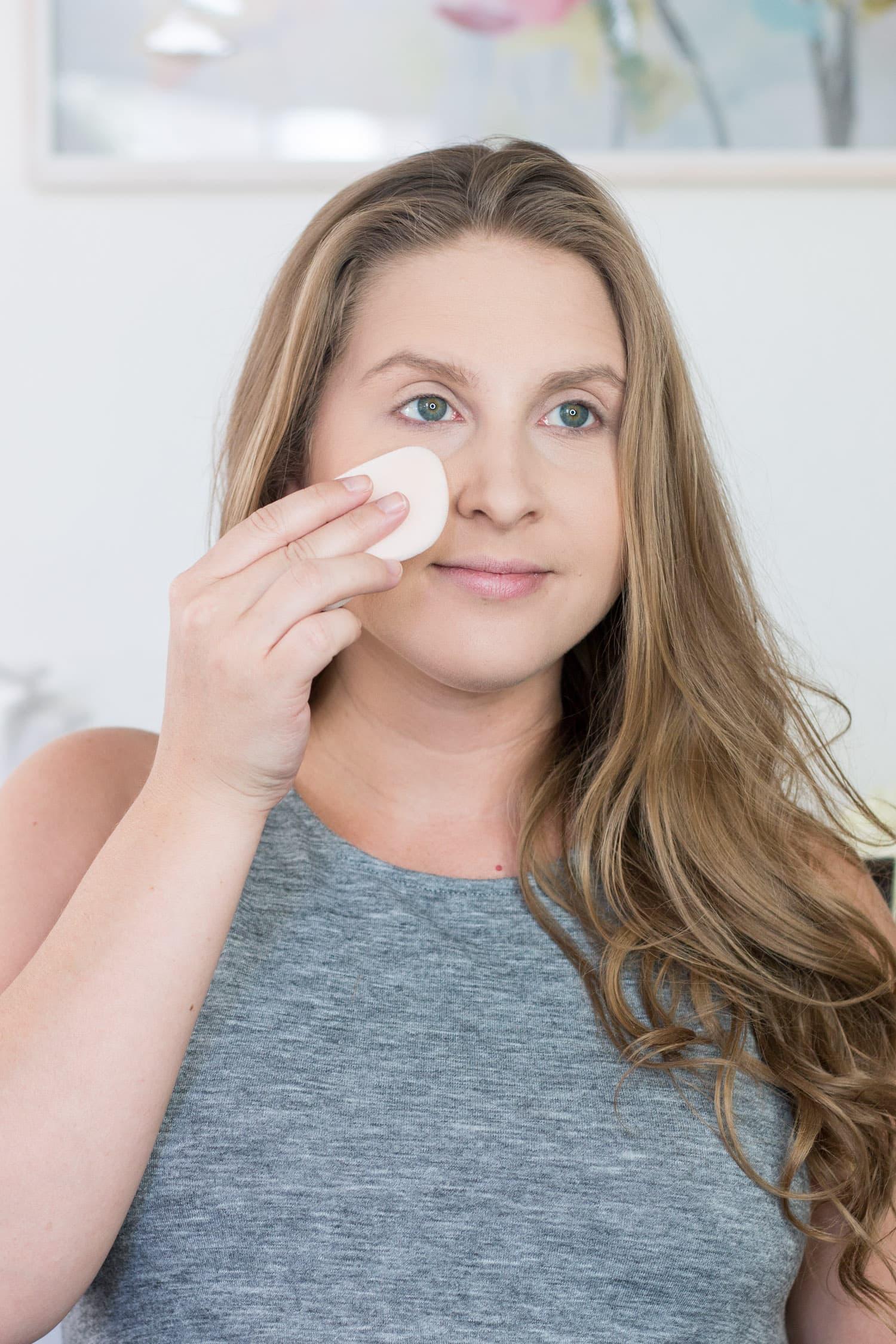 jane-iredale-makeup-tutorial-review-makeup sponge Ashley Brooke Nicholas beauty blogger