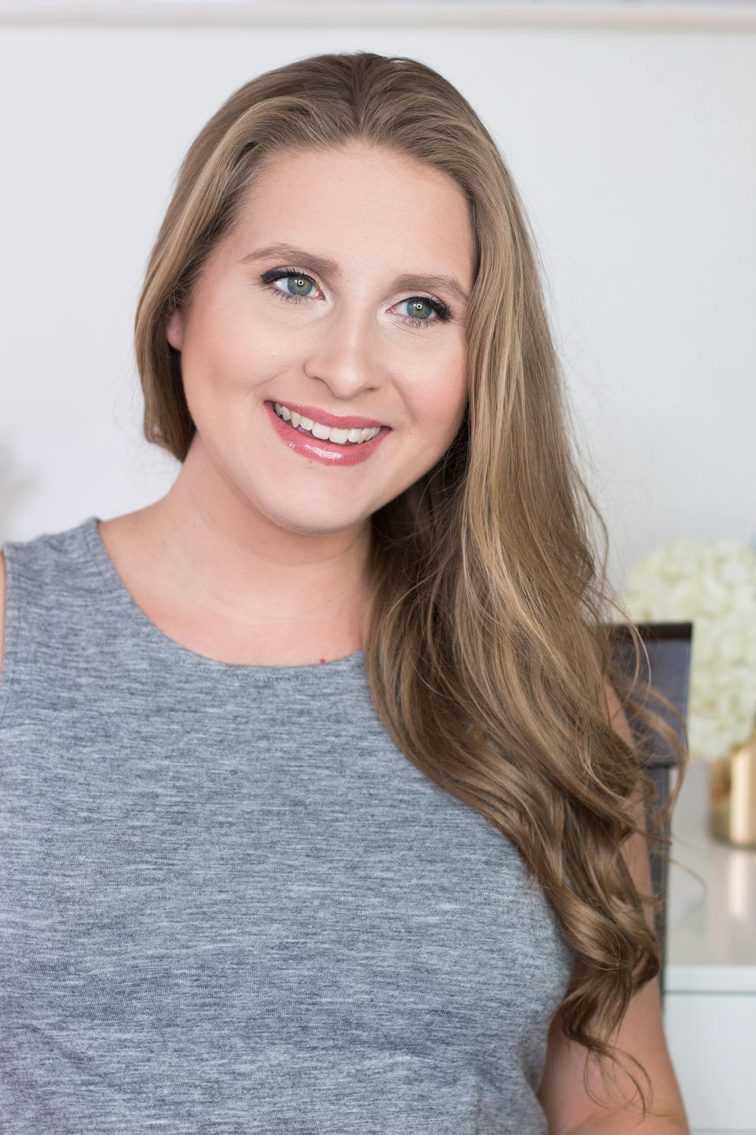 jane-iredale-makeup-tutorial-review-dirty blonde hair beautiful skin look flawless