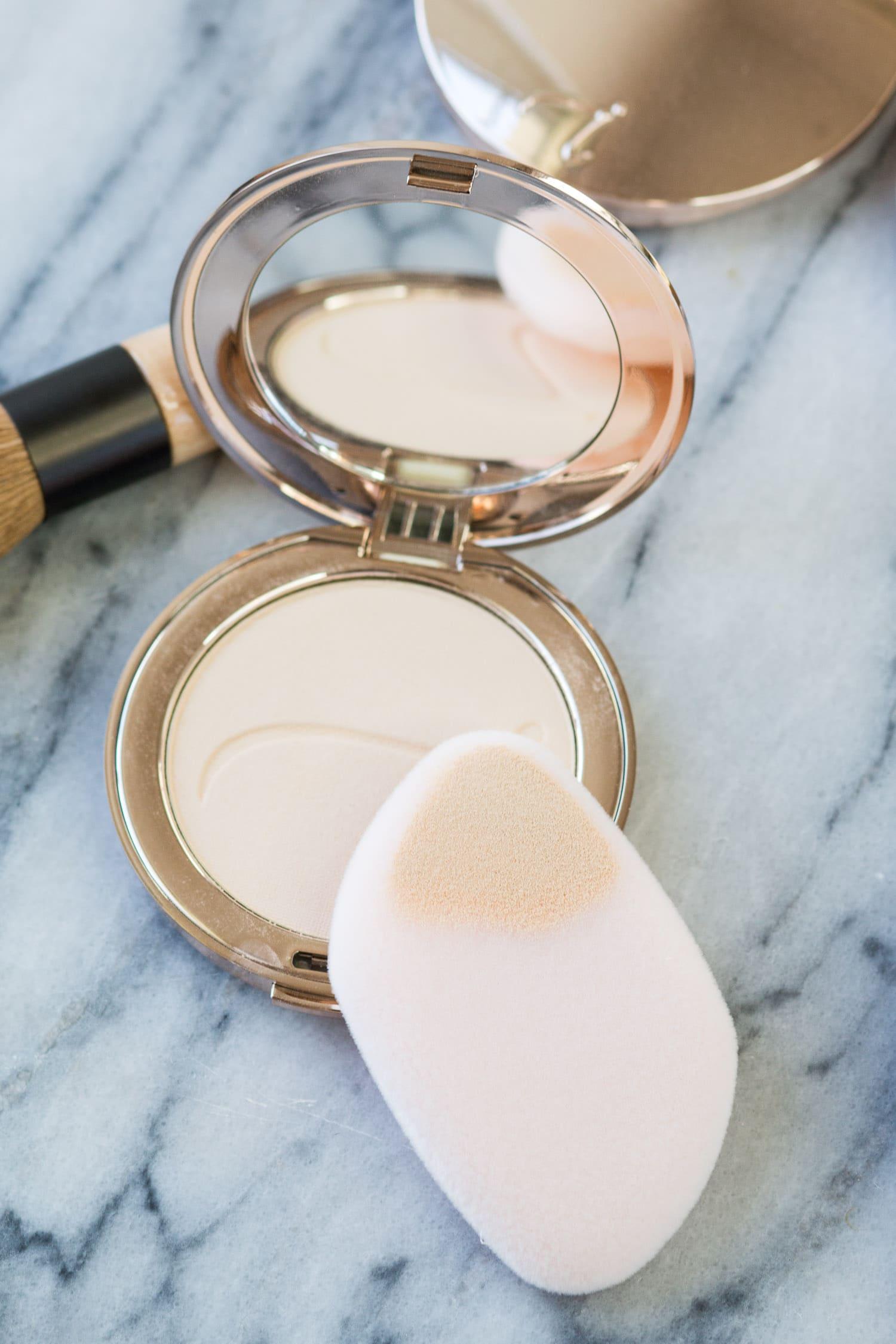 jane-iredale-makeup-tutorial-review-makeup sponge