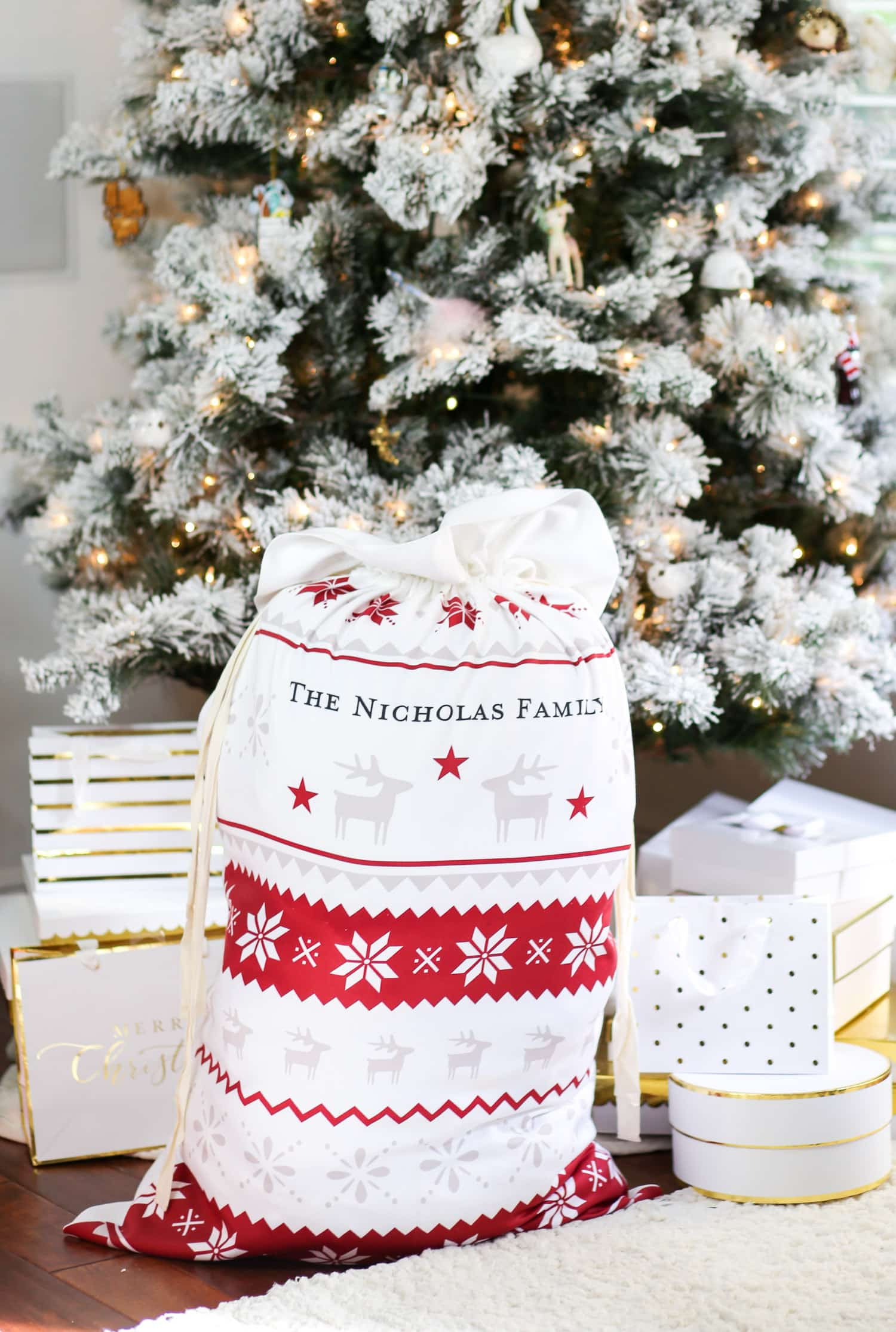 The best personalized gift ideas for christmas ashley brooke every year my husband and i attend at least three christmas celebrations which means we transport a lot of gifts from house to house negle Images