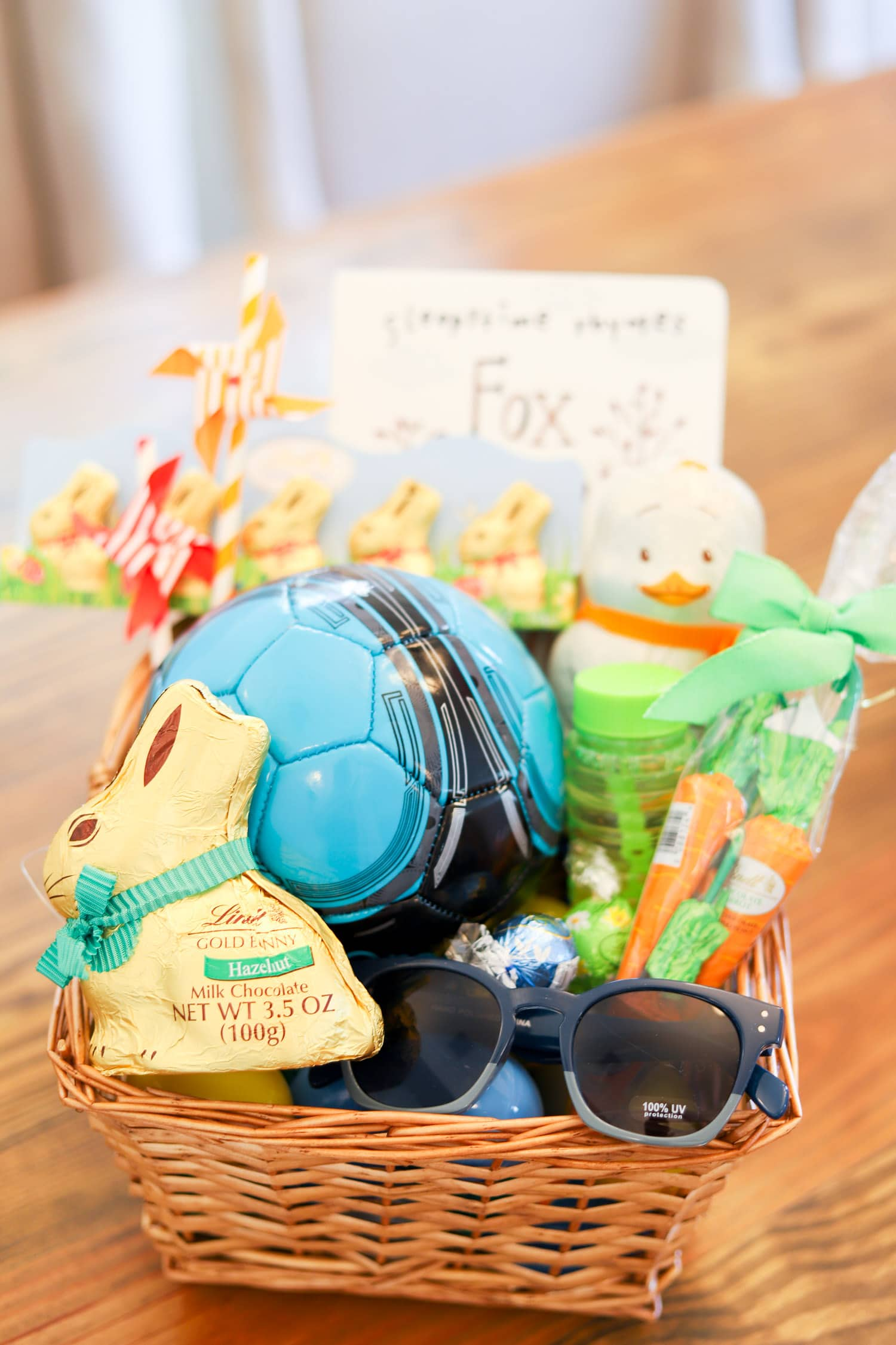 Cute easter basket ideas party favors ashley brooke nicholas cute easter party ideas lindt gold bunny easter negle Gallery