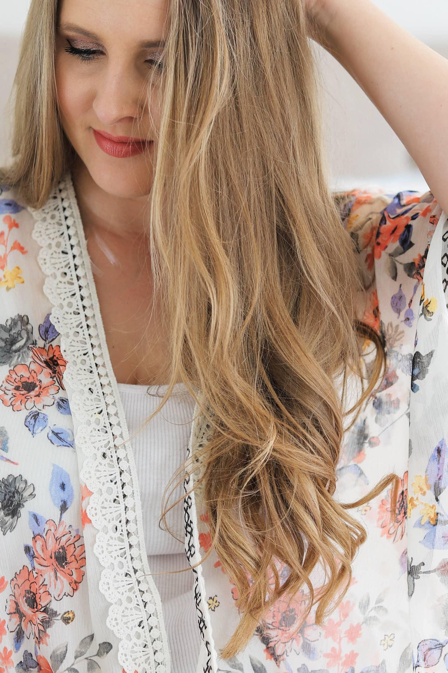 Smiling woman, beautiful easy boho hair tutorial, cute hair tutorial, dirty blonde hair, Ashley Brook Nicholas