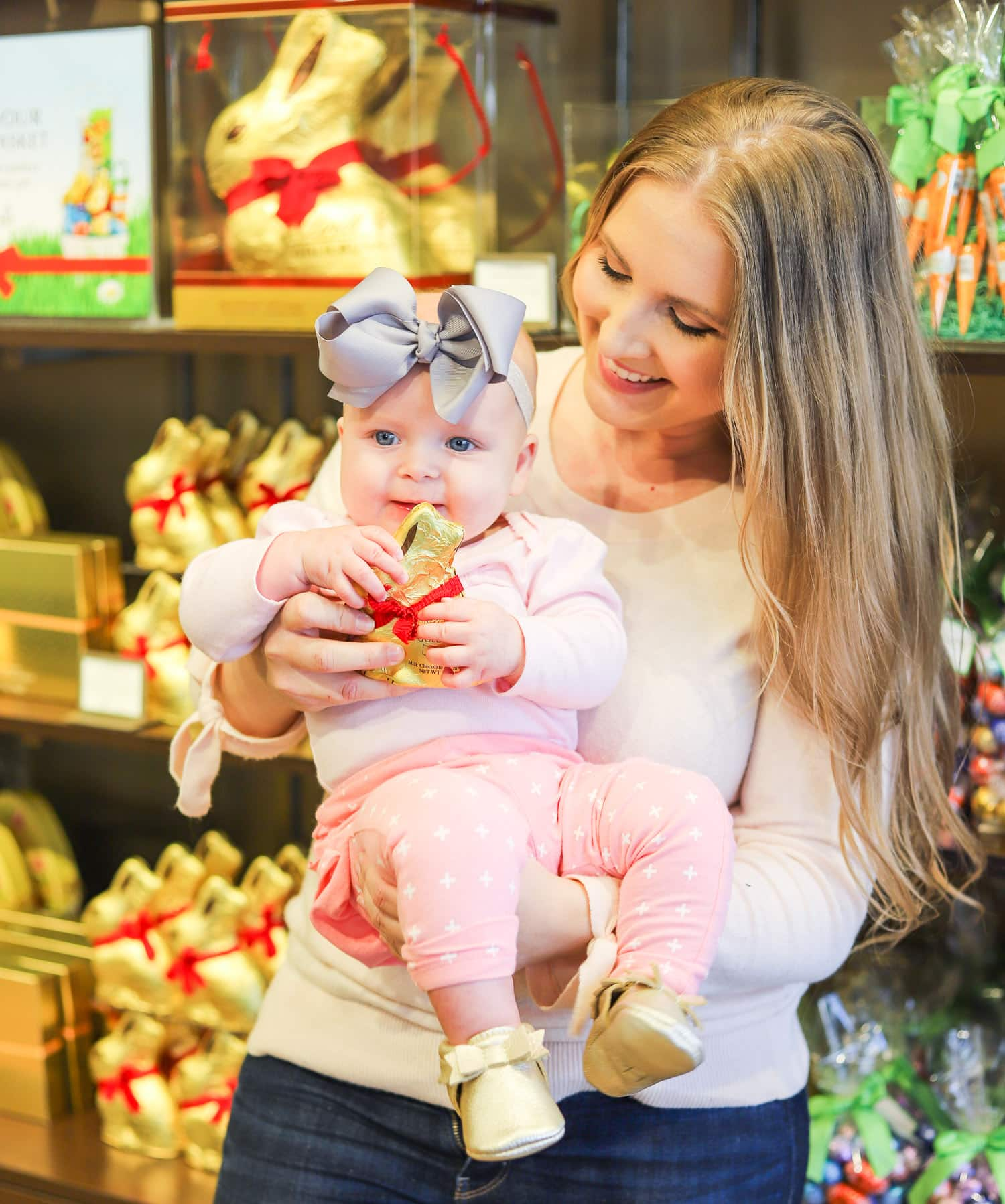 cute baby happy mom cute-easter-party-ideas-lindt-gold-bunny-easter-bags-easter-presents-lindt-chocolate