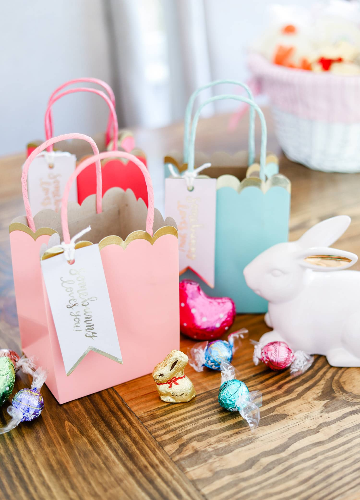 Cute easter basket ideas party favors ashley brooke nicholas cute easter party ideas lindt gold bunny negle Gallery
