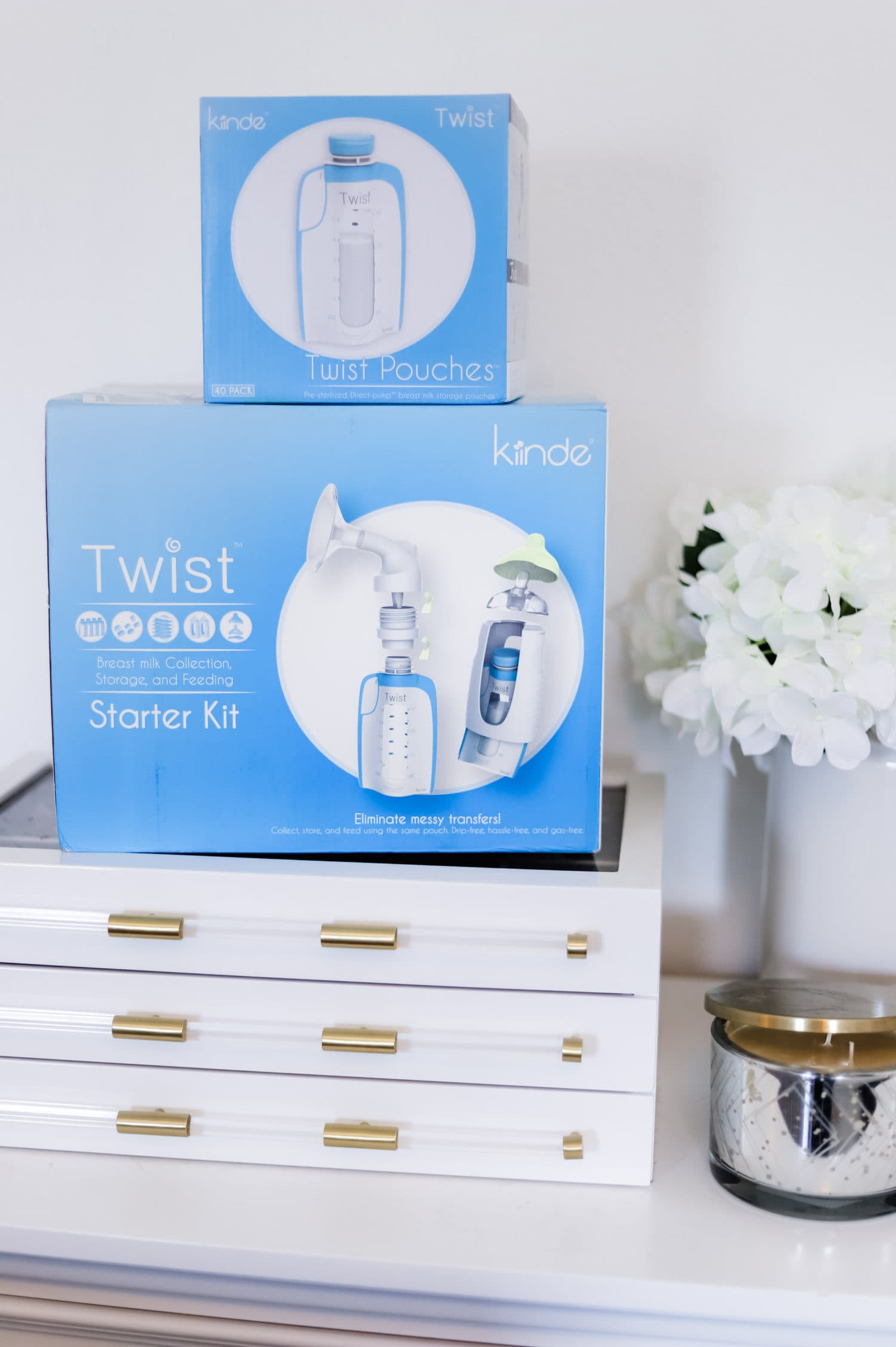 The baby registry must haves every new mom needs! All of the best baby products for newborn babies and postpartum moms - including the Kiinde Twist breastmilk storage system  + why you should register at Buy Buy Baby!