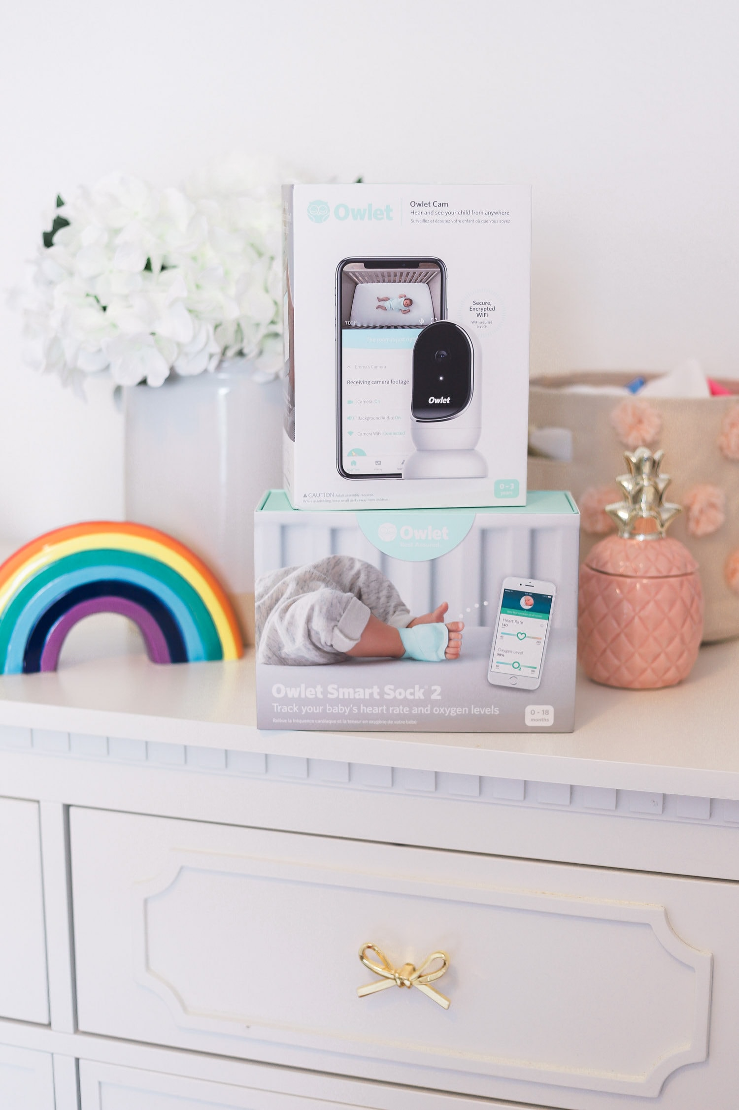 The baby registry must haves every new mom needs! All of the best baby products for newborn - including the Owlet Smart Sock and Cam video monitor  + why you should register at Buy Buy Baby!