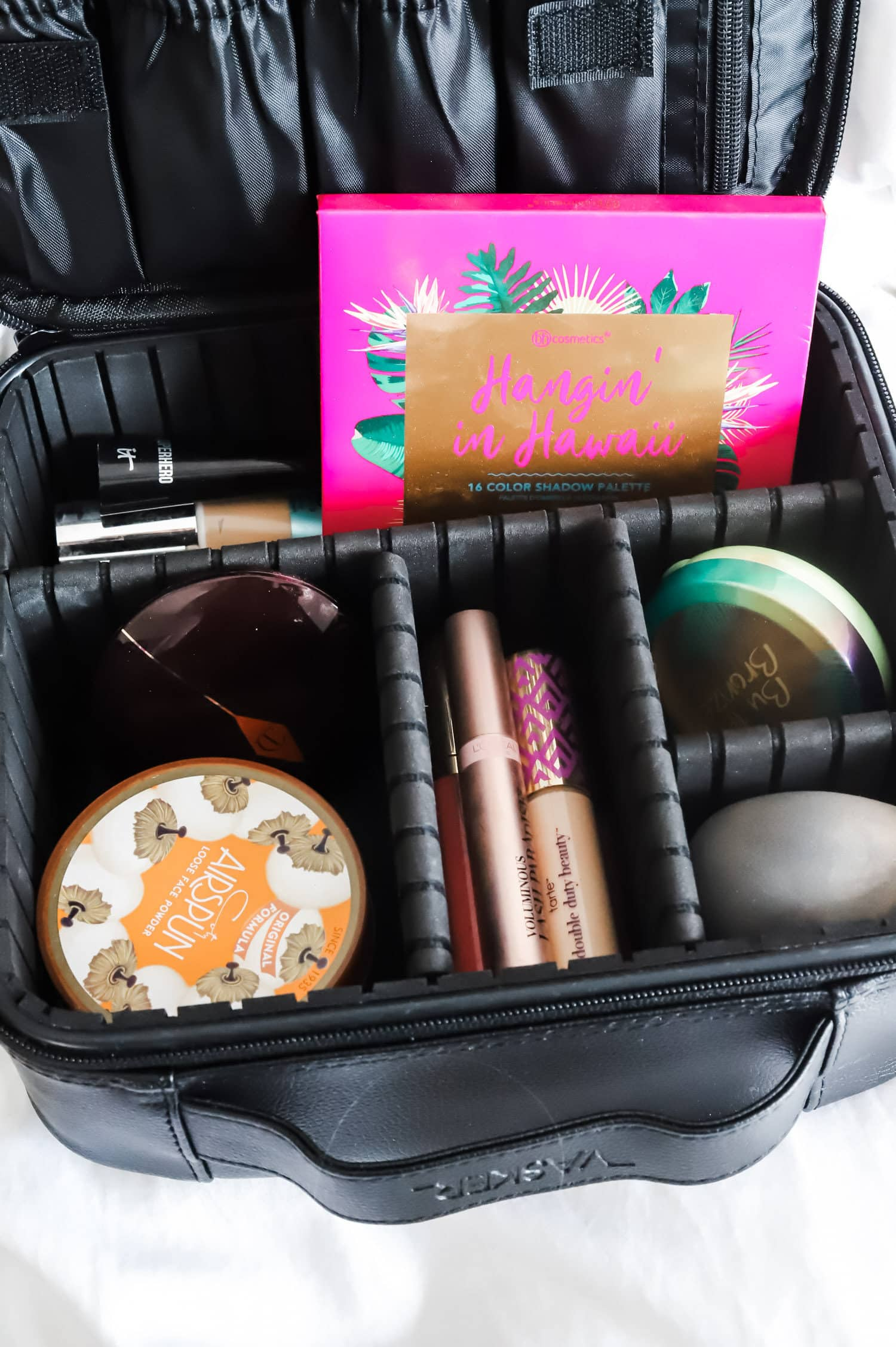 What to Buy On Amazon: the top beauty and fashion bestsellers from Amazon Prime - including the best zip-up travel beauty and makeup organizer under $20! | Orlando, Florida beauty and fashion blogger Ashley Brooke Nicholas